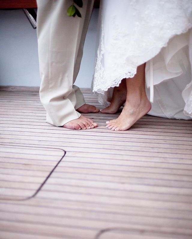 No shoes on deck for this truly #nauticalwedding on the Pacific! #ihunuisportfishing . . . #kelilinaphotography @kelilinaphotography #boatwedding #fishingwedding #weddingwire #theknot #floridaweddingphotographer #southfloridawedding #southfloridaphotographer  #floridaphotographer #floridaweddingphotographer #miamibeachwedding #weddingphotography #jupiterphotographer #palmbeachphotographer #westpalmbeachphotographer #jensenbeachphotographer #verobeachphotographer #stuartphotographer #palmcityphotographer