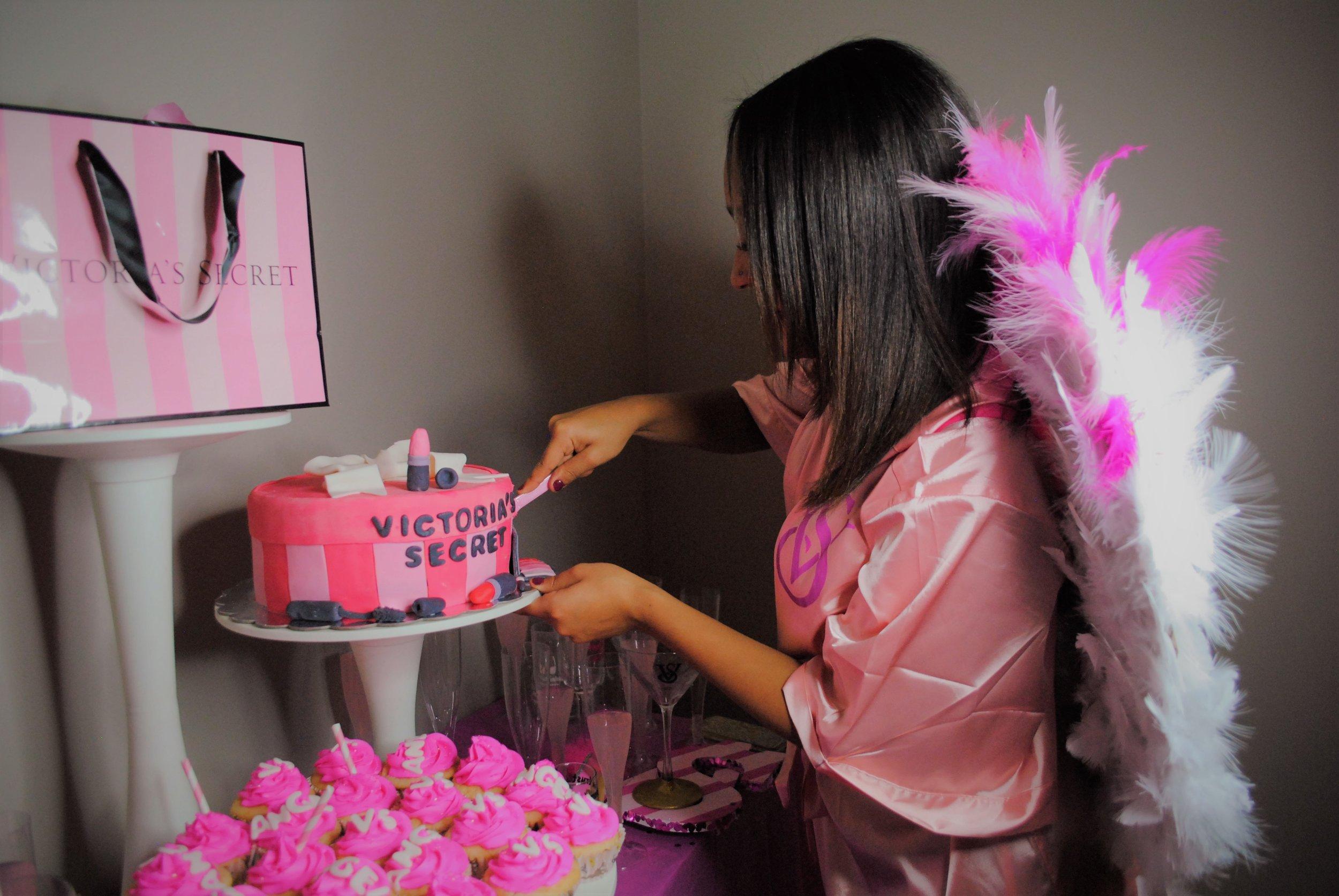 This is Deisha, world famous cake cutting model.