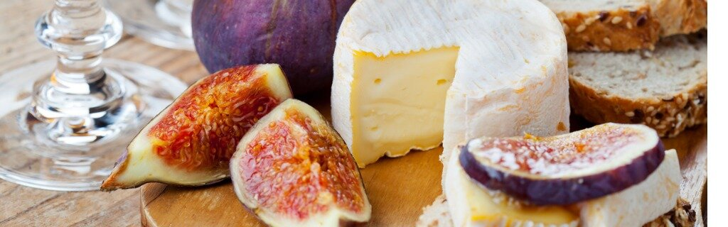 cheese-plate-picture-id611757212.jpg