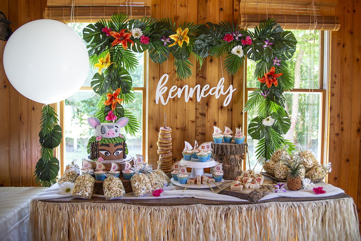 Muana Birthday - First Birthday- Cake table styling