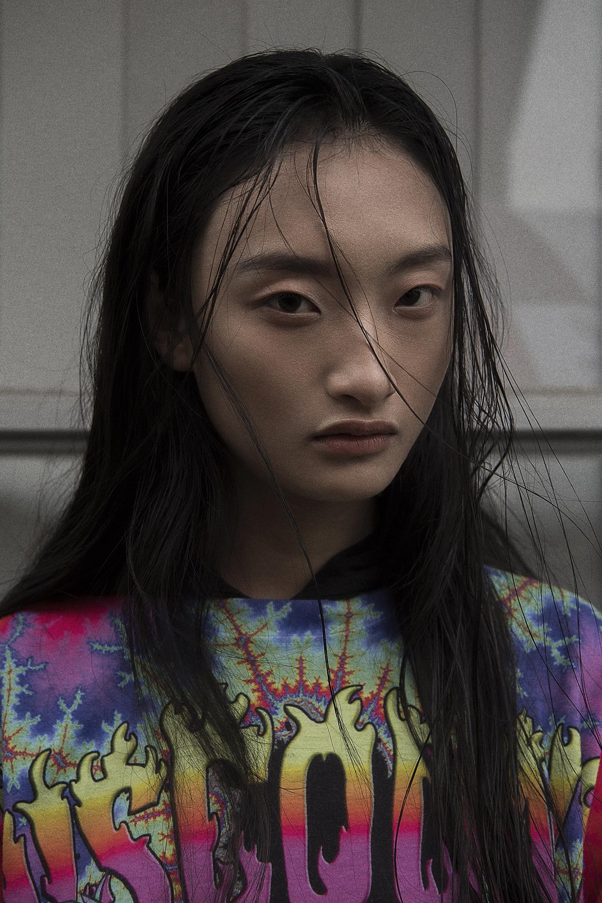 hoodie worn under  models own  graffiti tee  discount universe