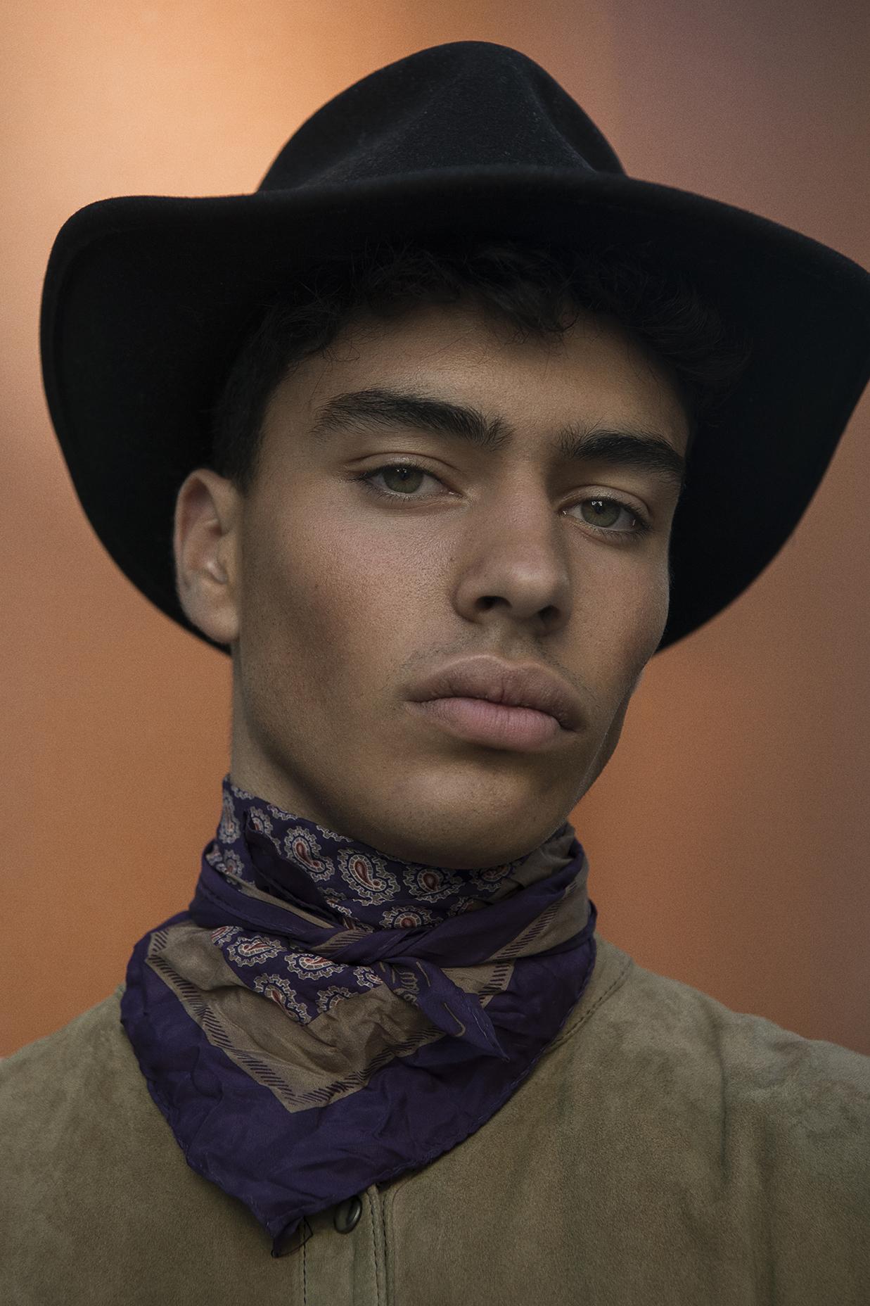 outback hat  jj hat centre  foulard  diane von Fürstenberg  top  faith connexion