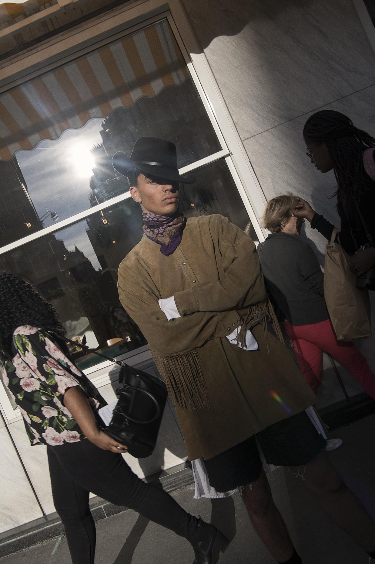 outback hat  jj hat center  foulard  diane von Fürstenberg  top faith connexion  jean shorts  stylist's own