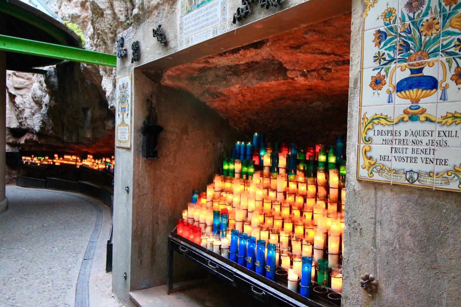 Candles Montserrat Day Trip