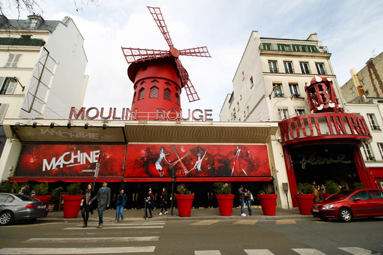 Moulin Rouge Easter in Paris