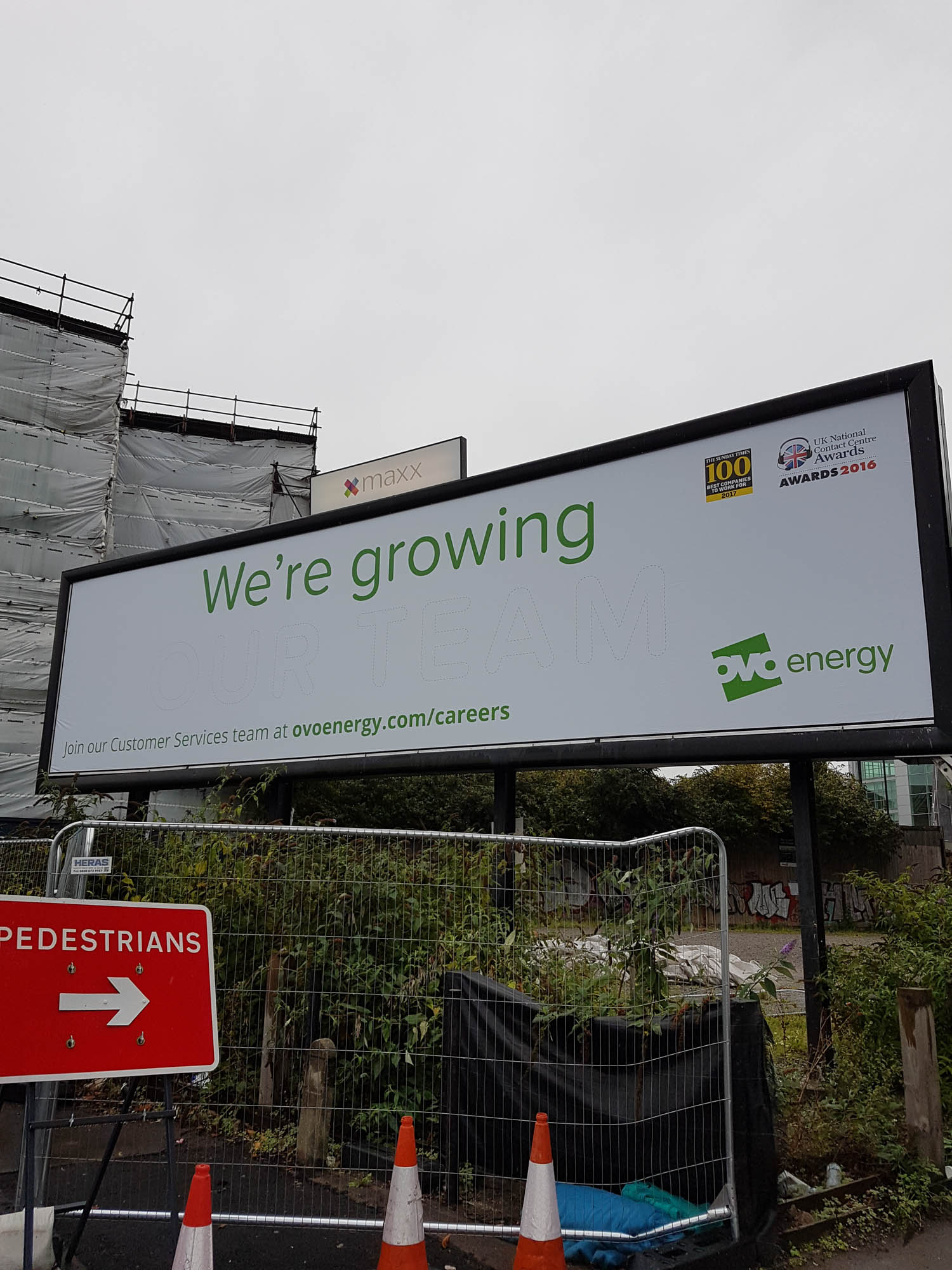 thirty-three-exterior-plant-display-billboard-mosswall-bespoke-custom-bristol-plantcare-ovo-energy-image-1