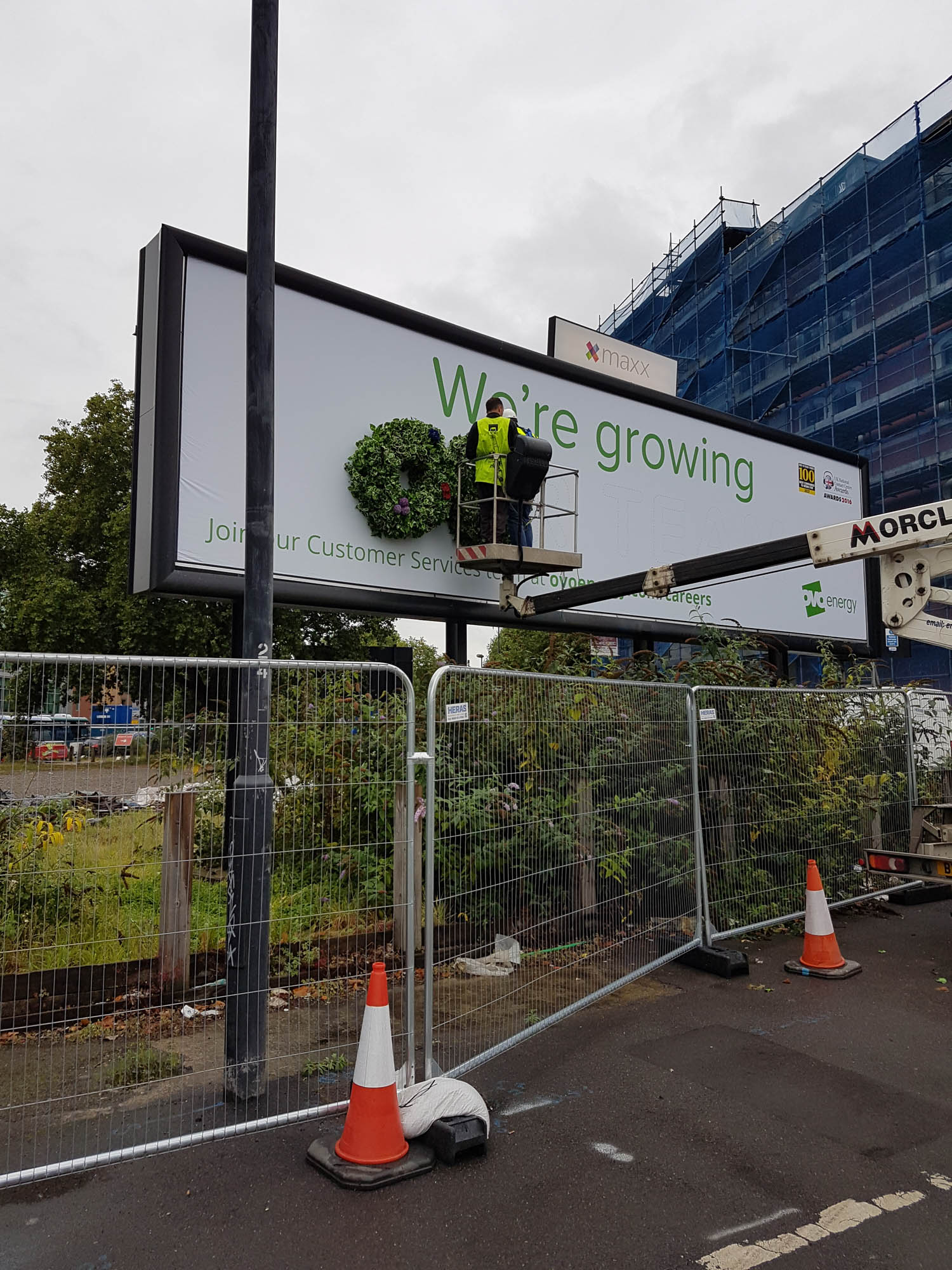 thirty-three-exterior-plant-display-billboard-mosswall-bespoke-custom-bristol-plantcare-ovo-energy-image-2