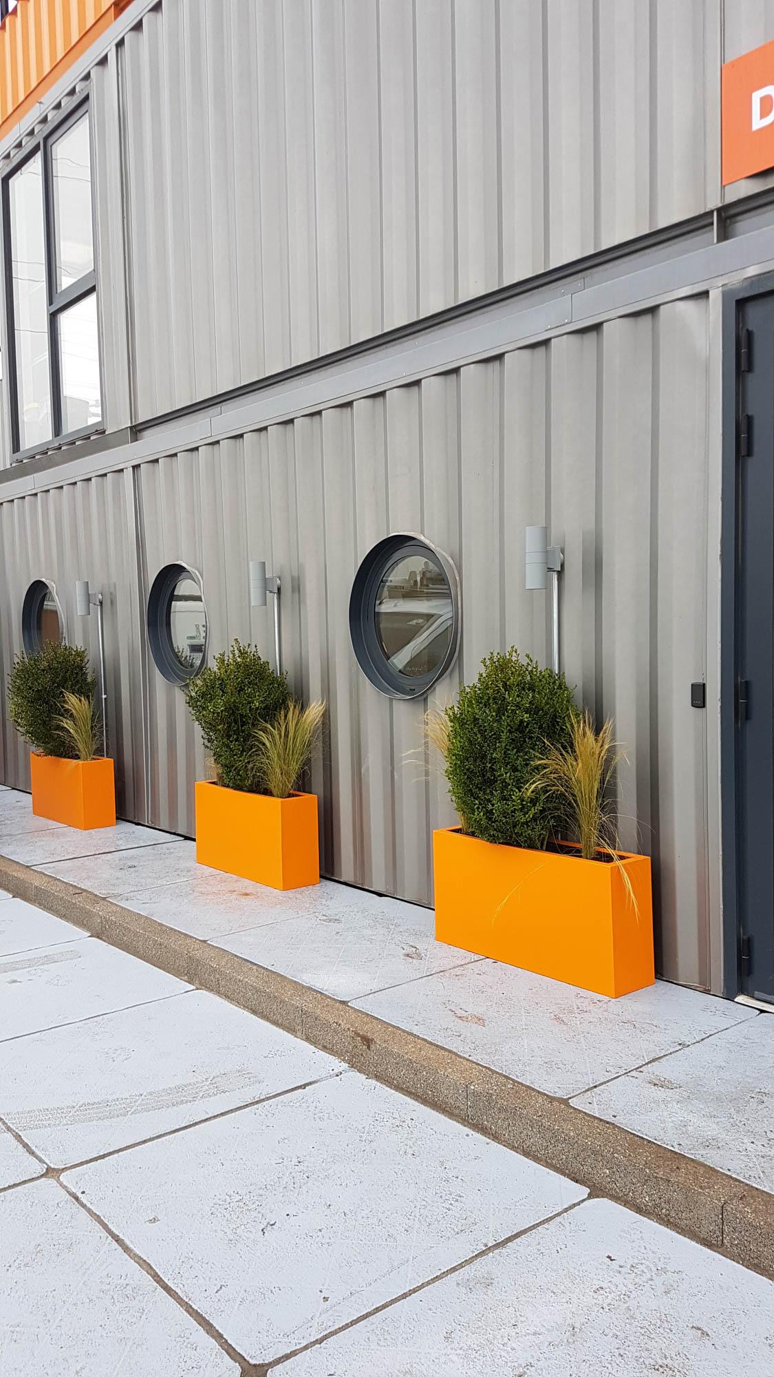 bristol-and-avon-interior-plants-planters-custom-bespoke-branded-construction-plantcare-image-3