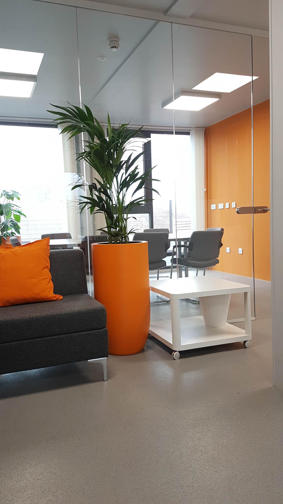 bristol-and-avon-interior-plants-planters-custom-bespoke-branded-construction-plantcare-image-6