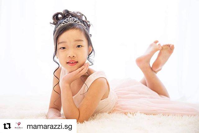 Why don't you take photos as wonderful memories?💕 Photo by @mamarazzi.sg  Hair&makeup by @devonshire_hair_studio @kaori_hair_make  #repost  #mamarazzisg #photostudio #Greatworldcity #kidsmodel #celebrateyoungtalents #kidsphotos #portraits #photogenicphoto #kidsphotography #youngtalents #styleshoot #singapore