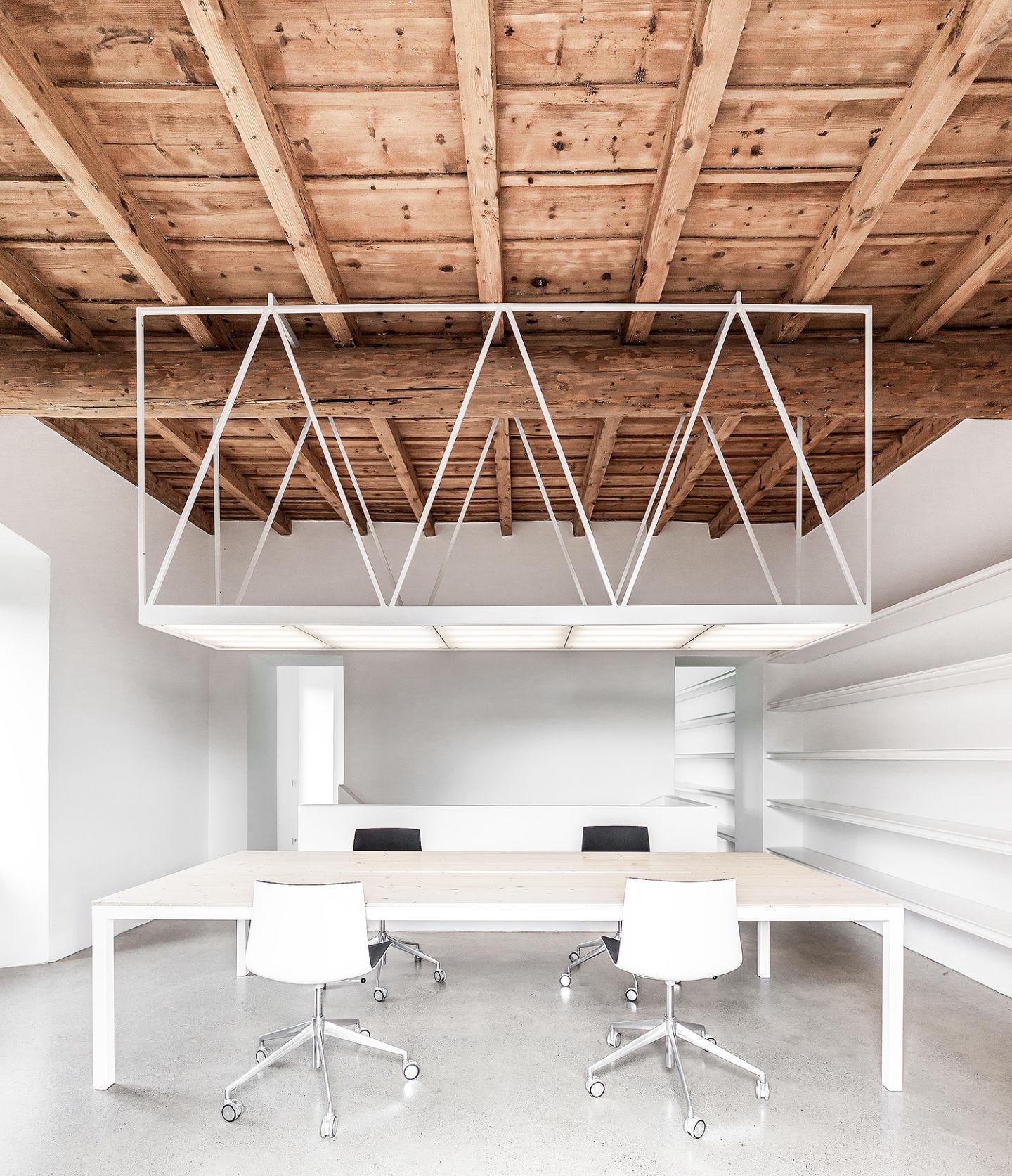 CN10 studio
