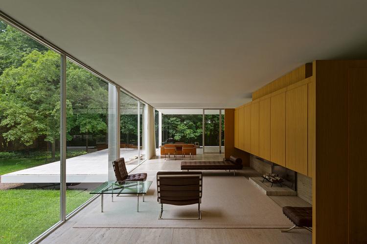 Farnsworth House - Photo by Bill Brazen