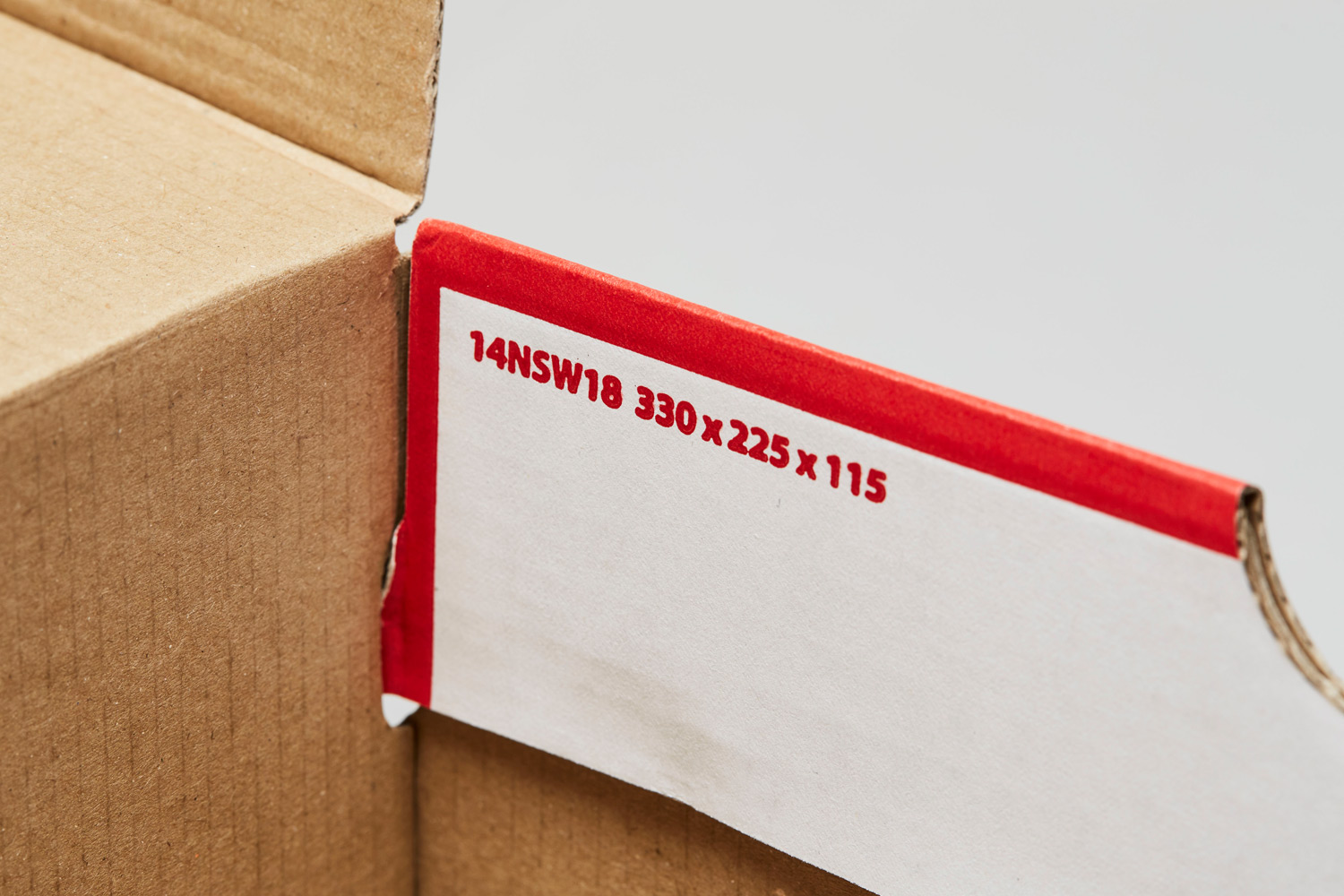 These measurements can be found in different styles of hinged Nike boxes like the ones shown below.