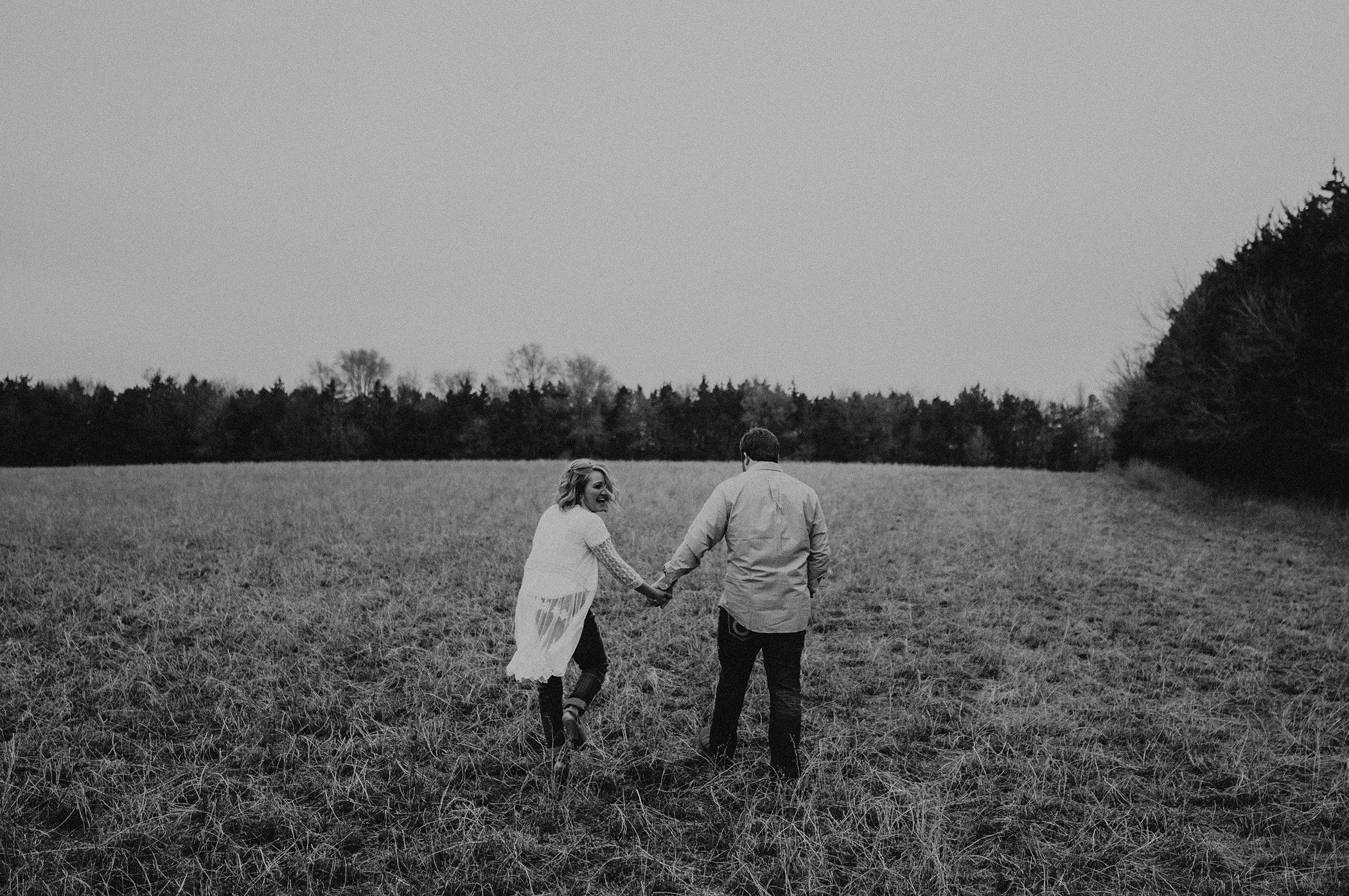 kaylie-sirek-nebraska-wedding-engagement-photographer-photography-grand-island-kearney-hastings-lincoln-01.png