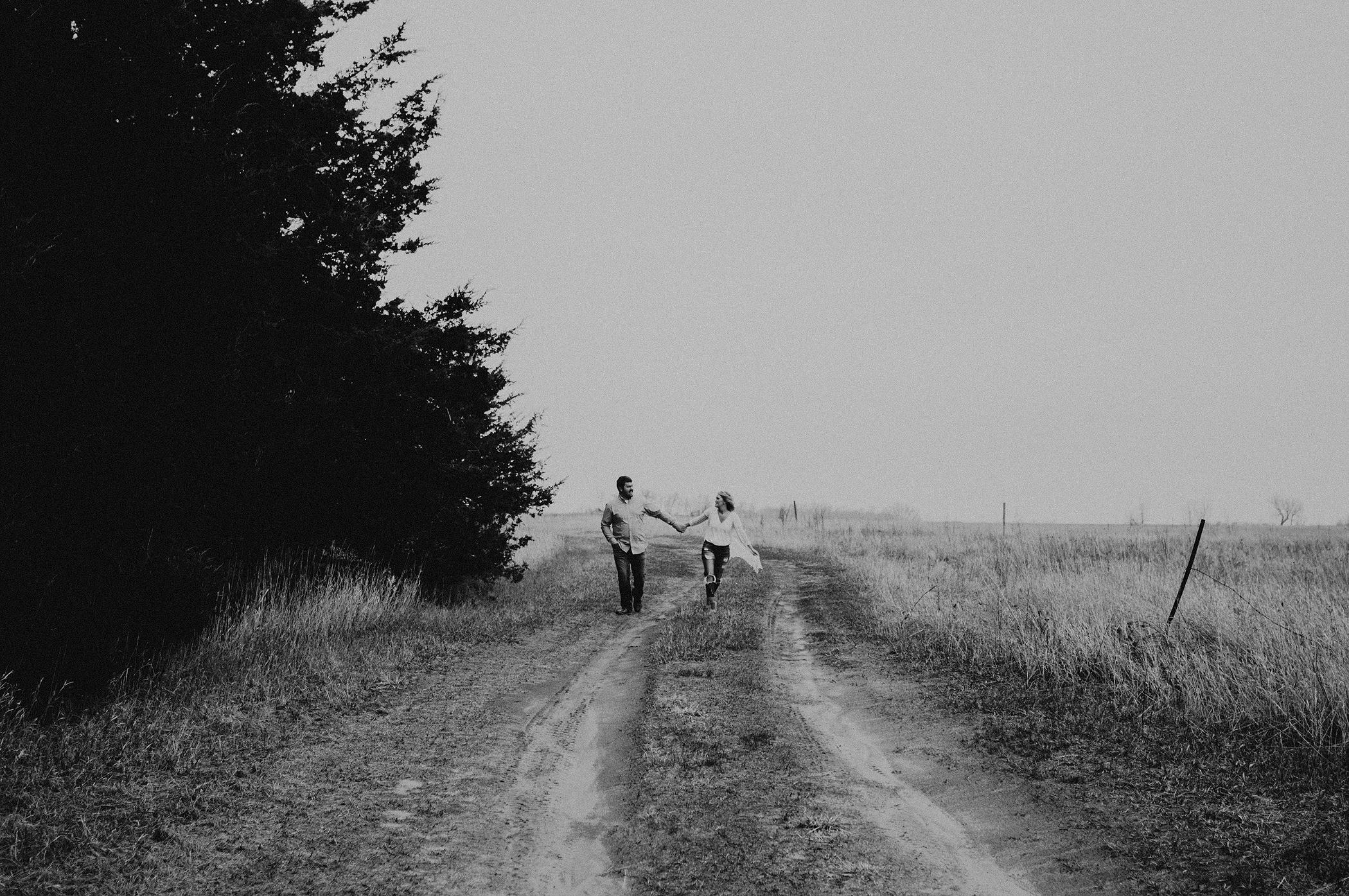 kaylie-sirek-nebraska-wedding-engagement-photographer-photography-grand-island-kearney-hastings-lincoln-13.png