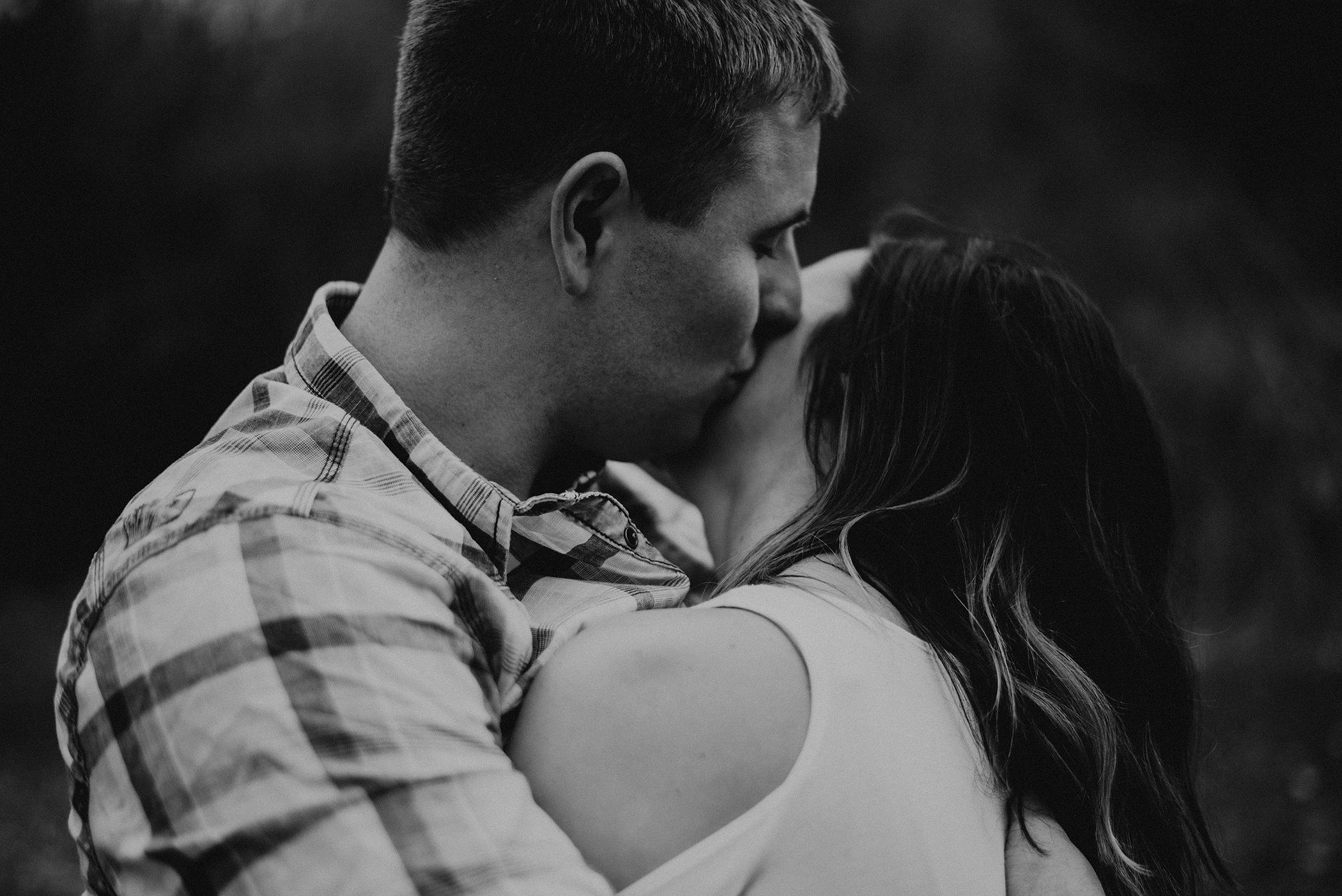 kaylie-sirek-nebraska-wedding-engagement-photographer-photography-grand-island-kearney-hastings-lincoln-51.png