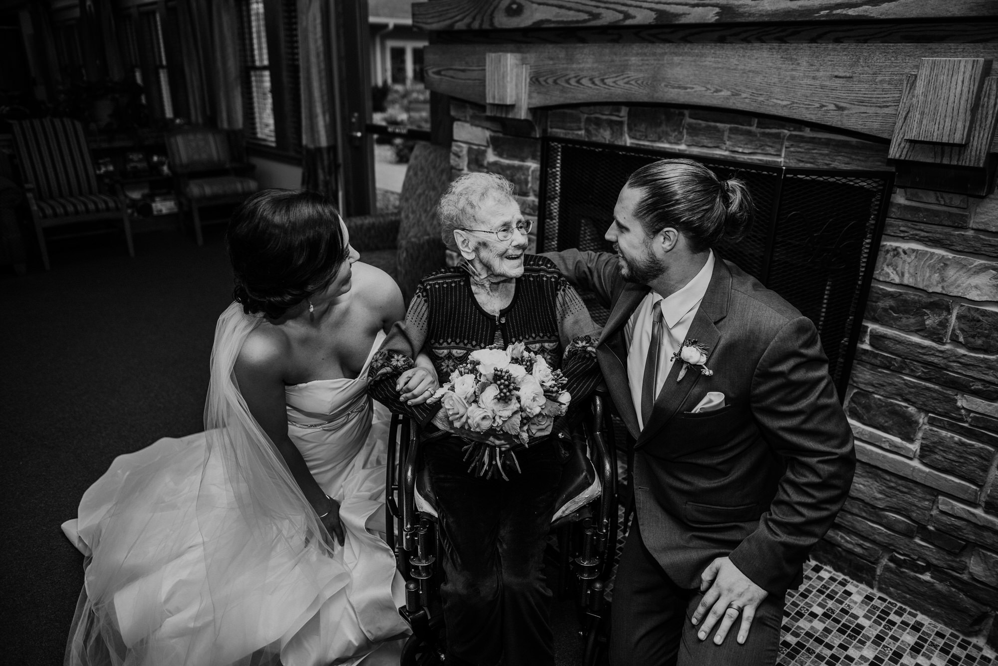 Kaylie_Sirek_Photography_Grand_Island_Kearney_Hastings_Lincoln_Nebraska_Wedding_Engagement_Grandma_Grandparent_Delray_Downtown_DowntownLincoln_LNK_Emotional_Bride_Groom_Photographer_42.jpg