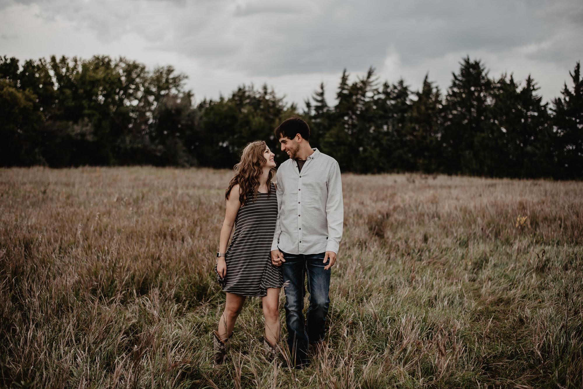 Kaylie-Sirek-Photography-wedding-engagement-photographer-Grand-Island-Kearney-Hastings-Lincoln-Nebraska-central-midwest-moments-trump-posing-natural-light-engaged-07.jpg