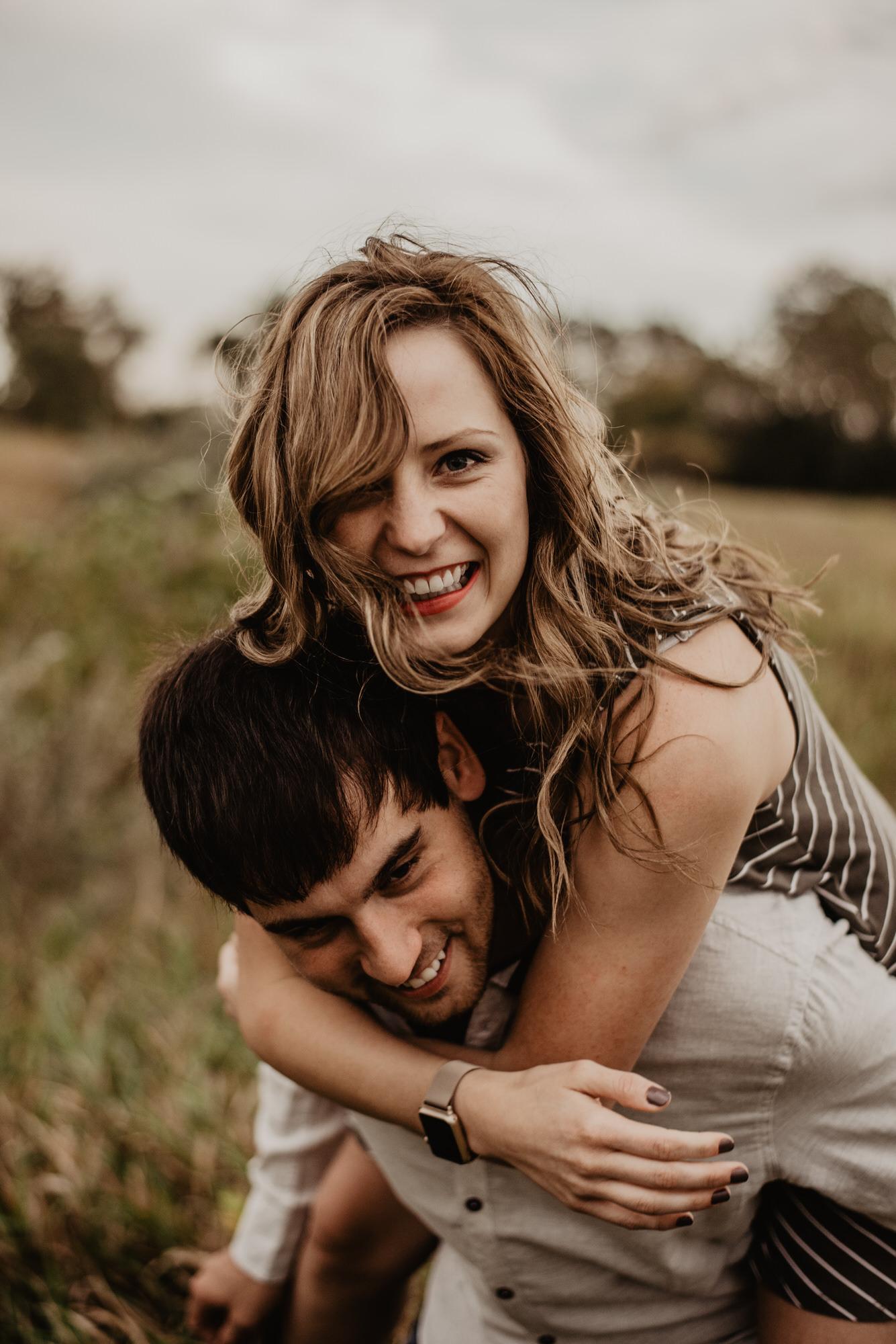 Kaylie-Sirek-Photography-wedding-engagement-photographer-Grand-Island-Kearney-Hastings-Lincoln-Nebraska-central-midwest-moments-trump-posing-natural-light-engaged-09.jpg