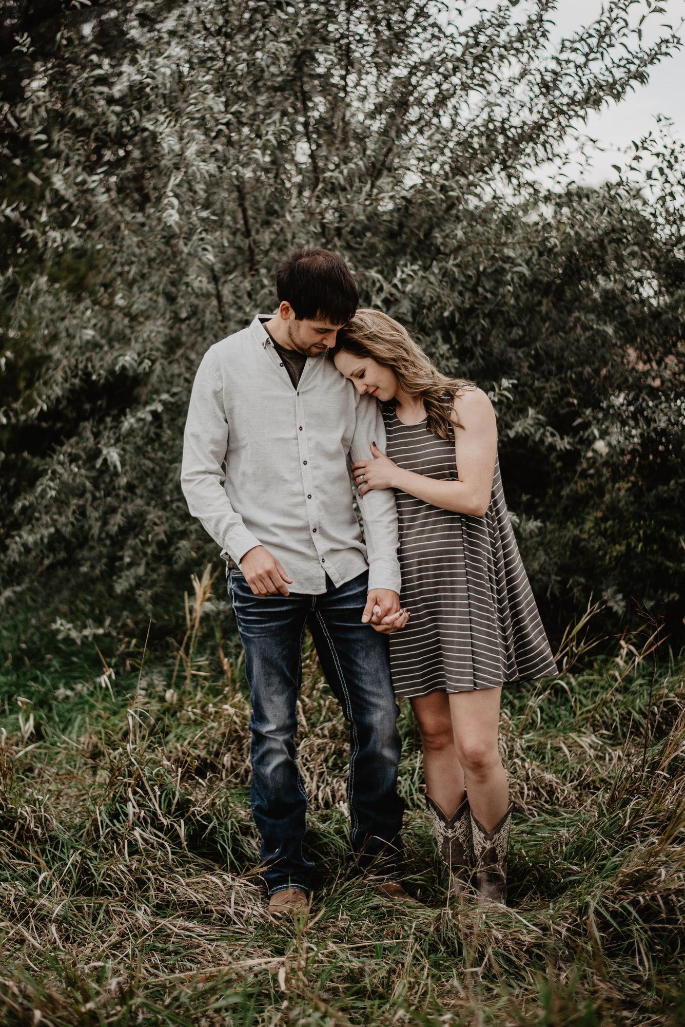 Kaylie-Sirek-Photography-wedding-engagement-photographer-Grand-Island-Kearney-Hastings-Lincoln-Nebraska-central-midwest-moments-trump-posing-natural-light-engaged-10.jpg