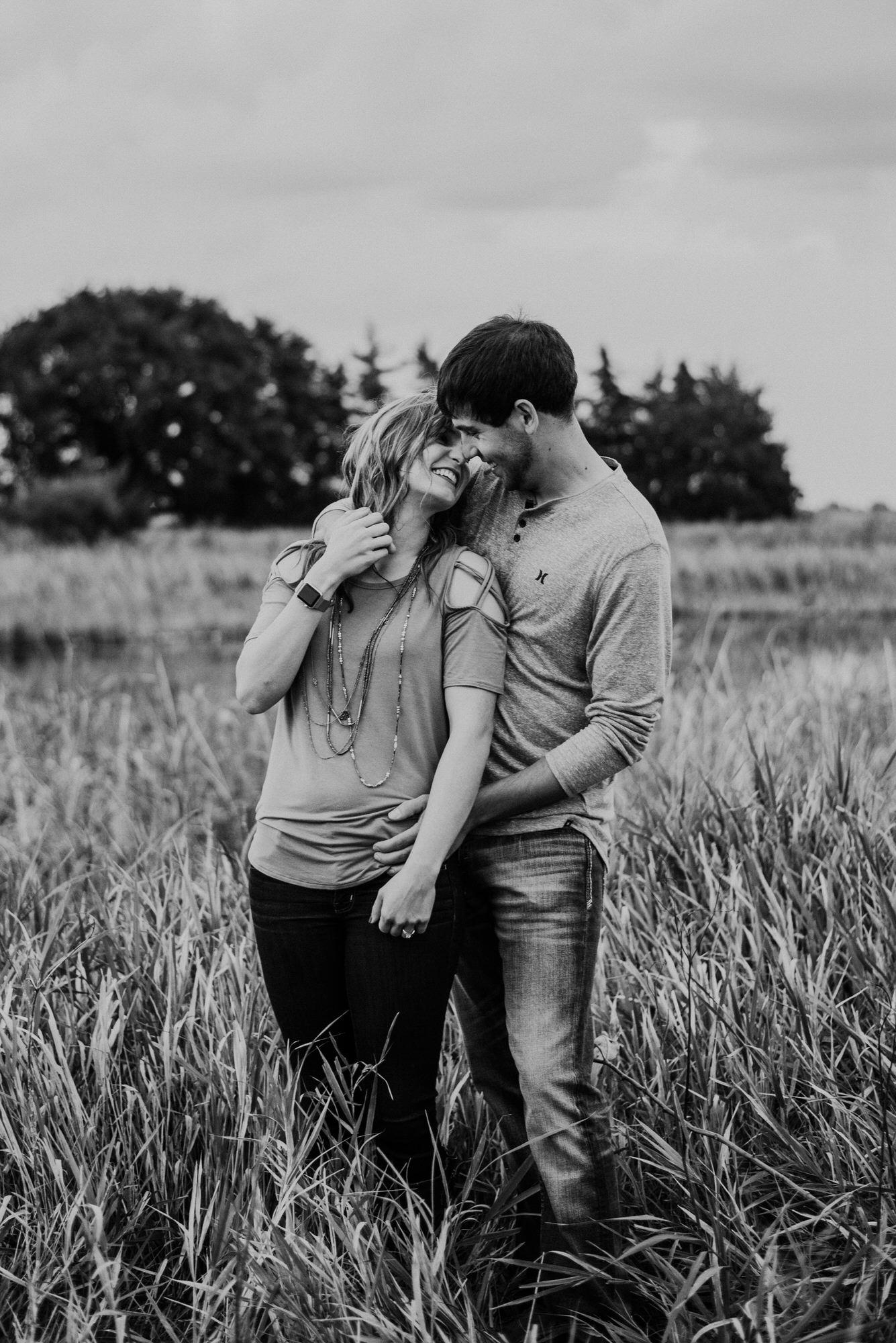 Kaylie-Sirek-Photography-wedding-engagement-photographer-Grand-Island-Kearney-Hastings-Lincoln-Nebraska-central-midwest-moments-trump-posing-natural-light-engaged-19.jpg
