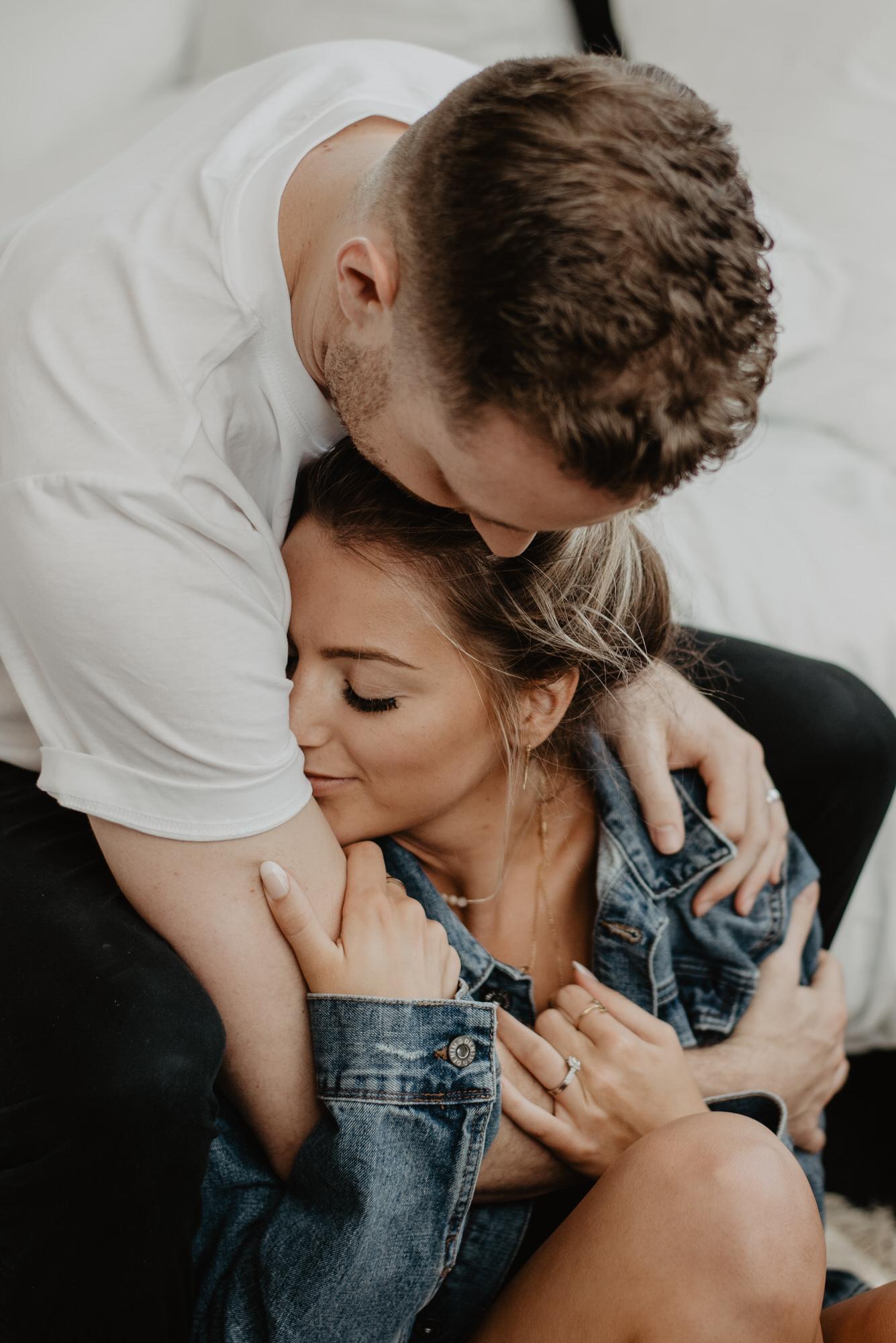 Kaylie Sirek Photography – Nebraska Wedding and Engagement Photographer – Thrive Modern In Home Styled Session – 10.jpg