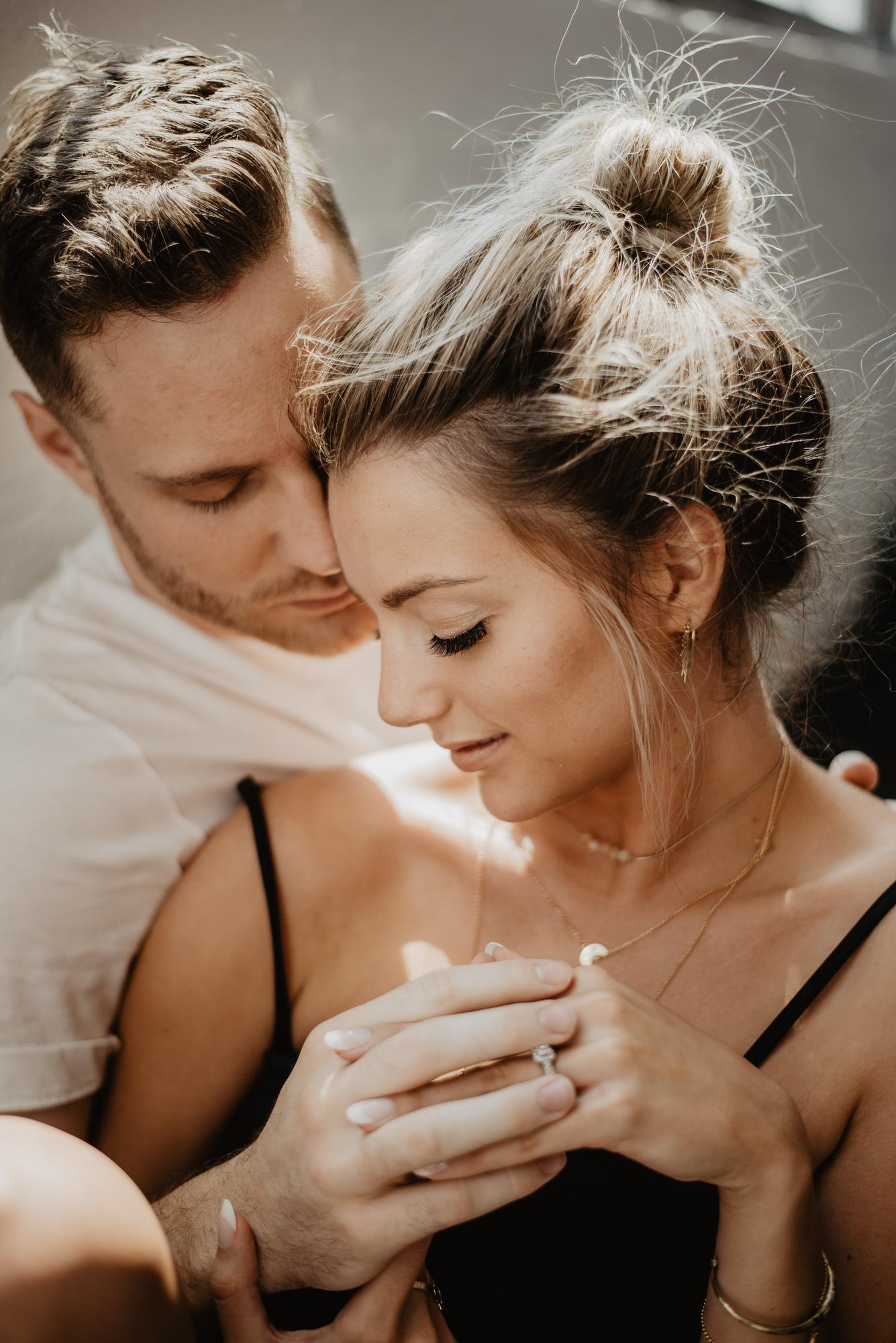 Kaylie Sirek Photography – Nebraska Wedding and Engagement Photographer – Thrive Modern In Home Styled Session – 27.jpg
