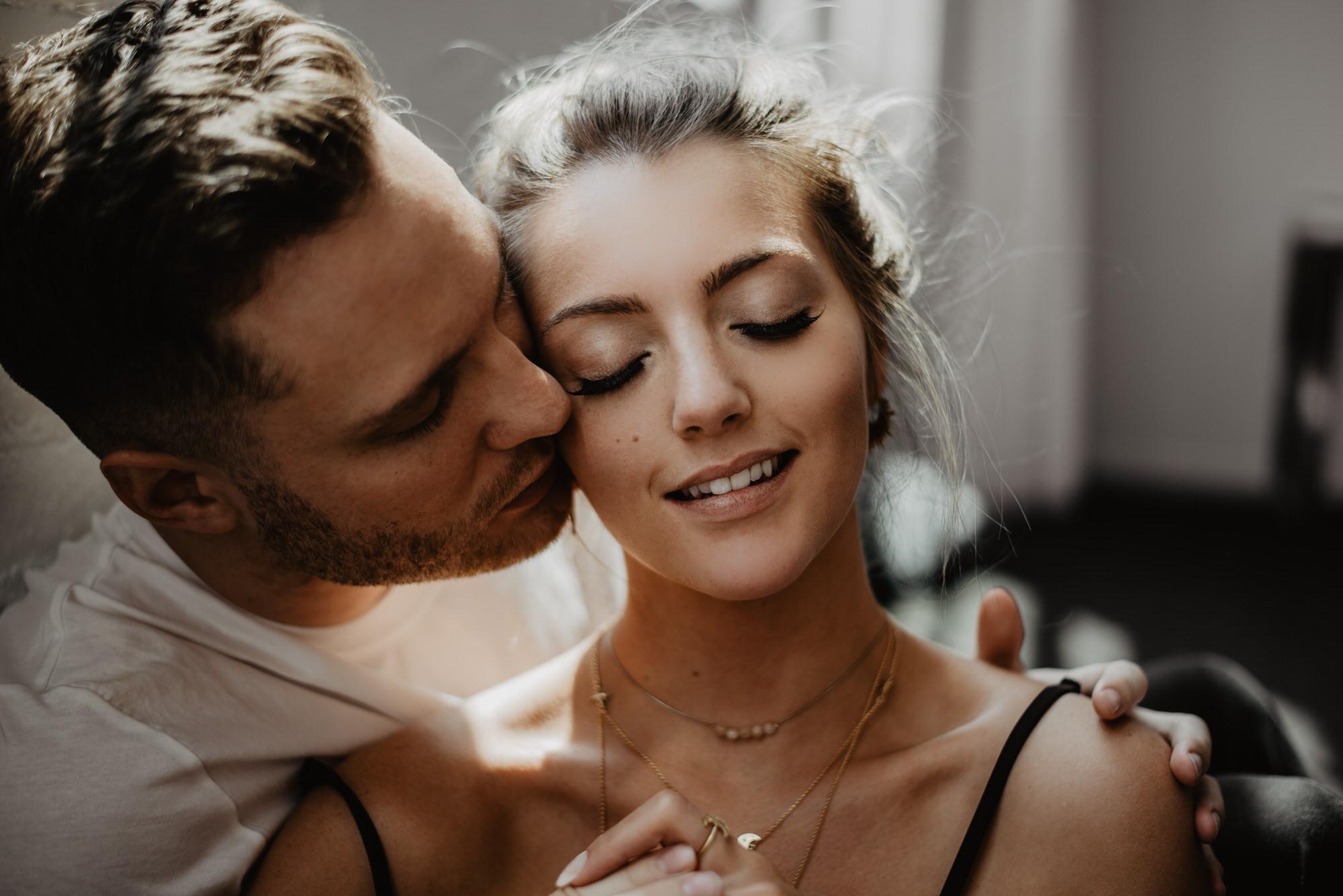 Kaylie Sirek Photography – Nebraska Wedding and Engagement Photographer – Thrive Modern In Home Styled Session – 31.jpg