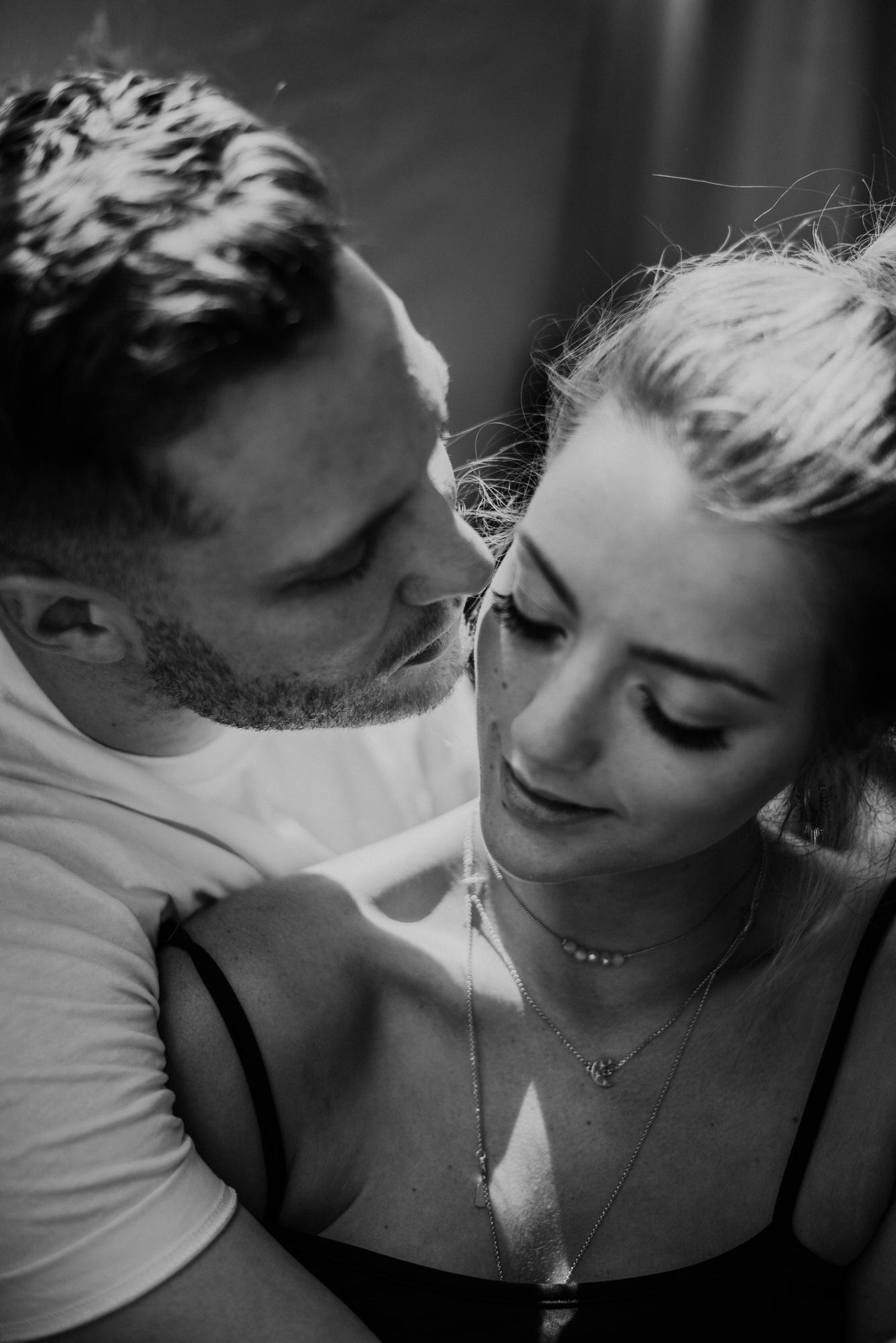Kaylie Sirek Photography – Nebraska Wedding and Engagement Photographer – Thrive Modern In Home Styled Session – 32.jpg