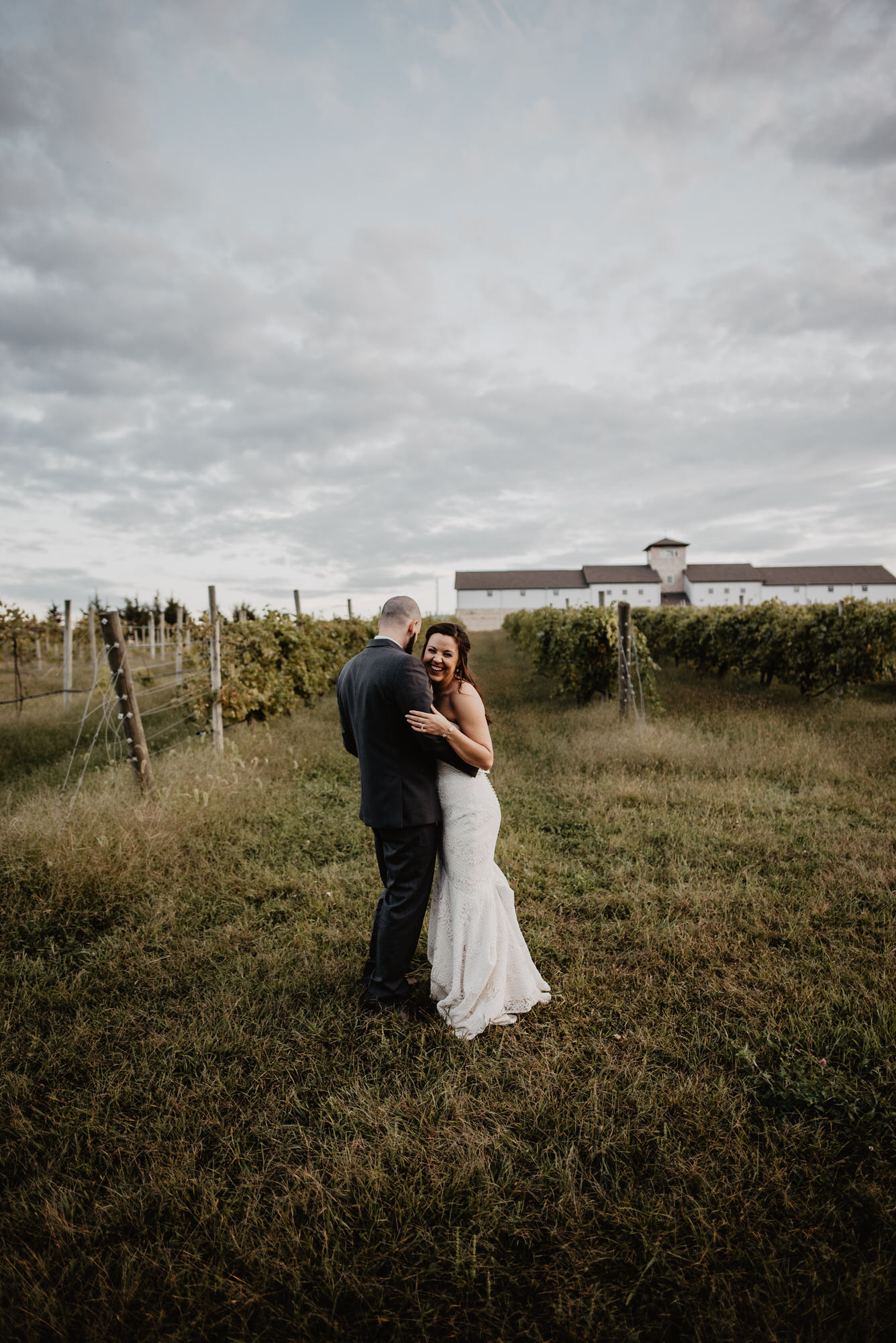 Kaylie Sirek Photography – Nebraska Wedding and Engagement Photographer – Glacial Till Vinyard – 097.jpg