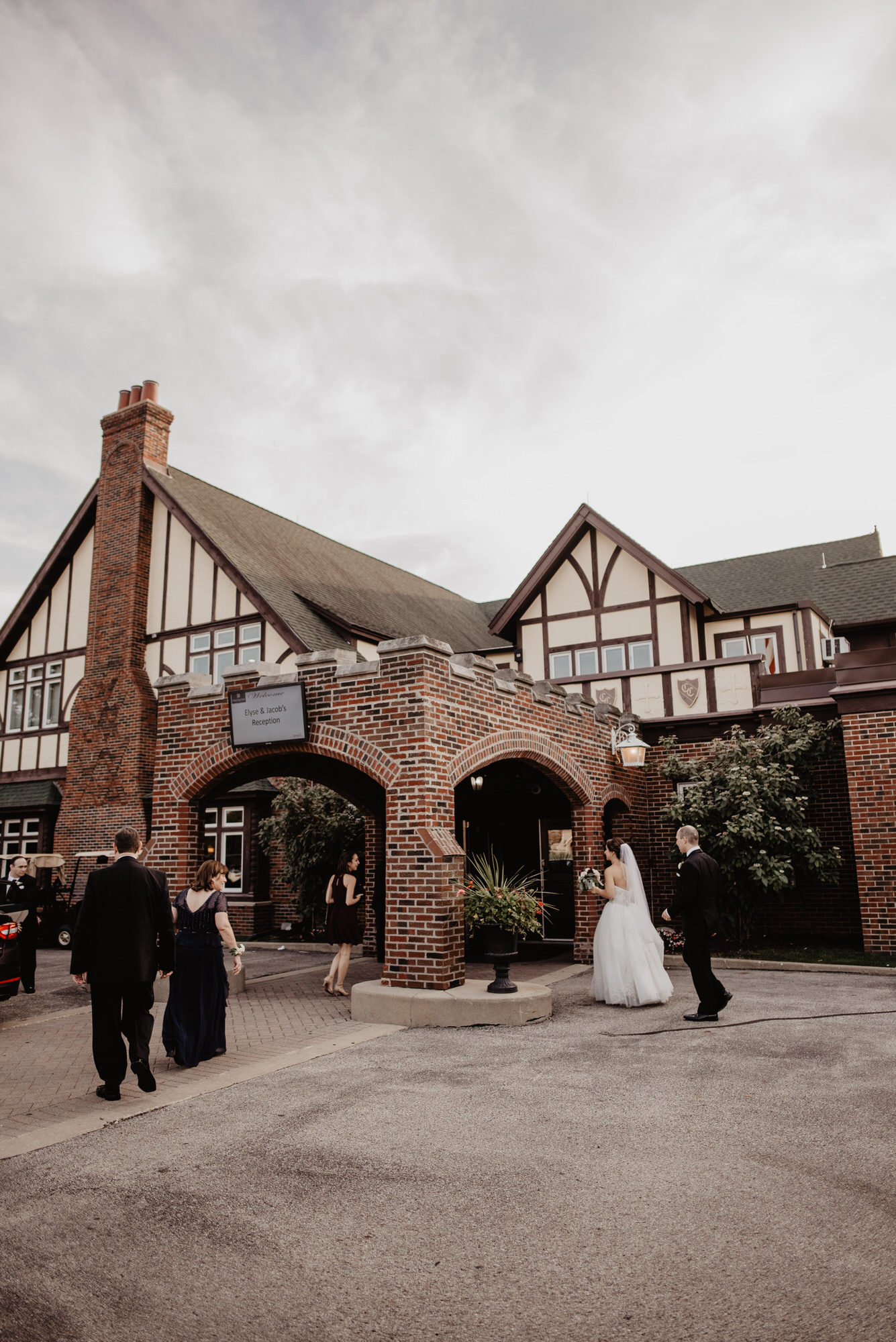 Chevy-Chase-Country-Club-Wedding-Chicago-Illinois-079.jpg