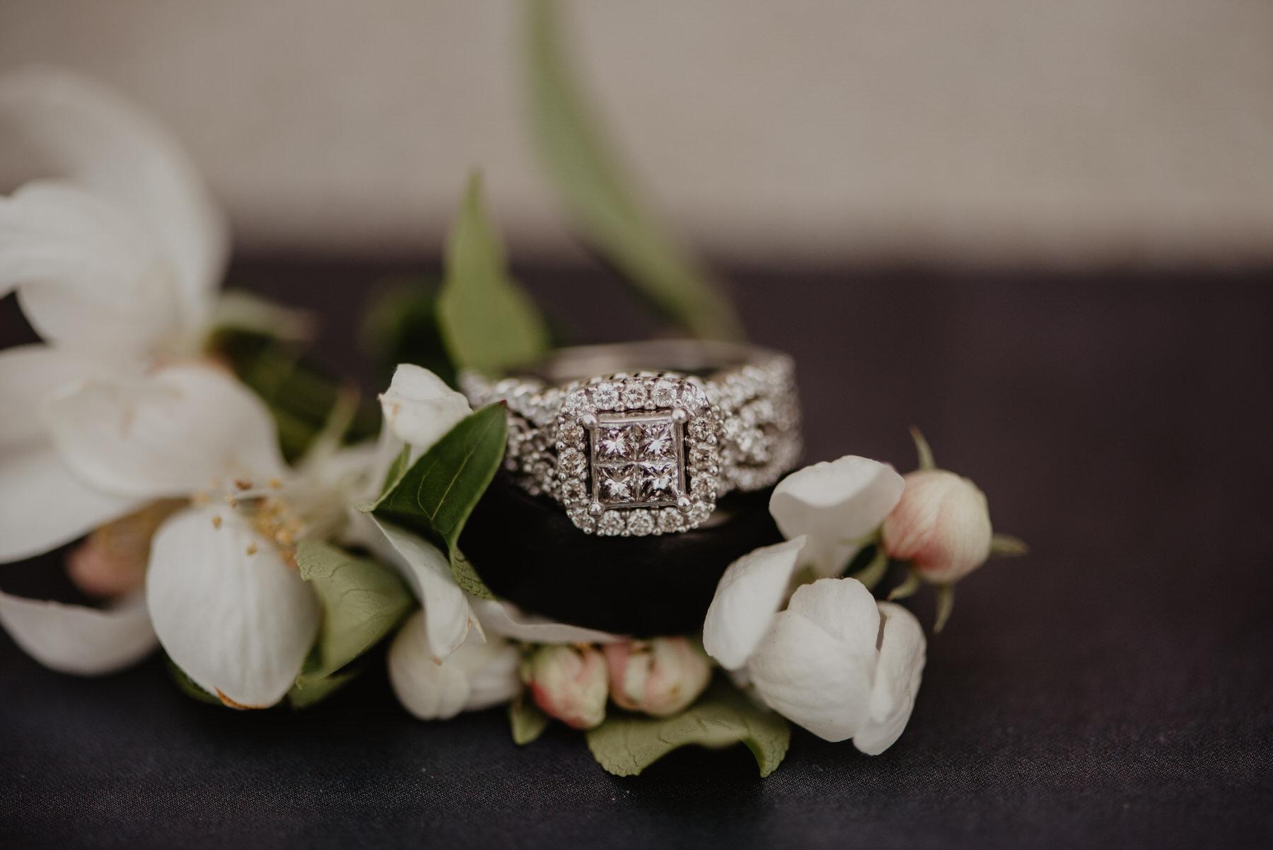 Kaylie-Sirek-Photography-Kearney-Nebraska-Wedding-004.jpg