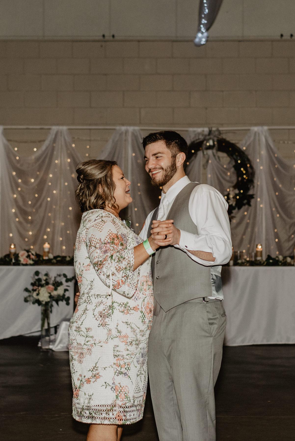 Kaylie-Sirek-Photography-Kearney-Nebraska-Wedding-118.jpg