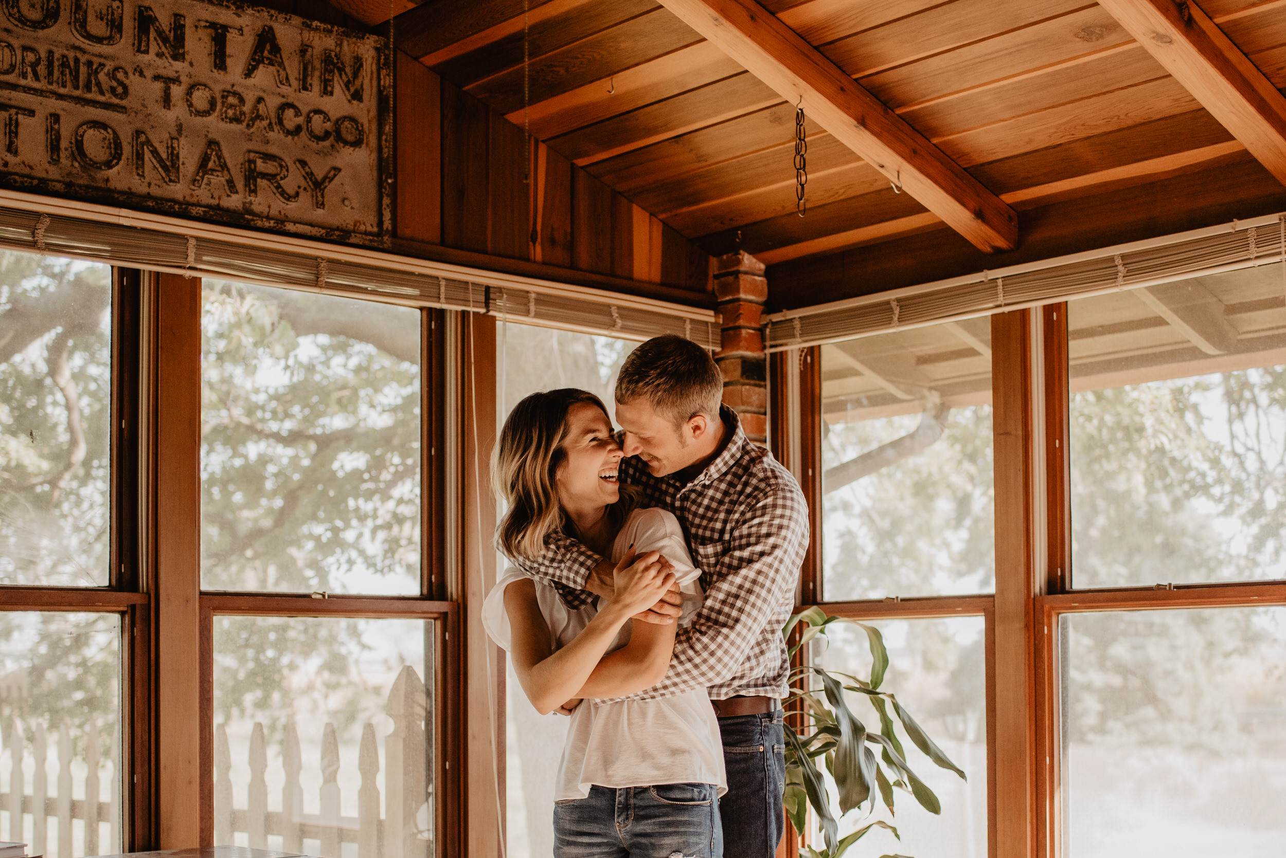 In-Home-Session-Kaylie-Sirek-Photography-Nebraska-19.jpg