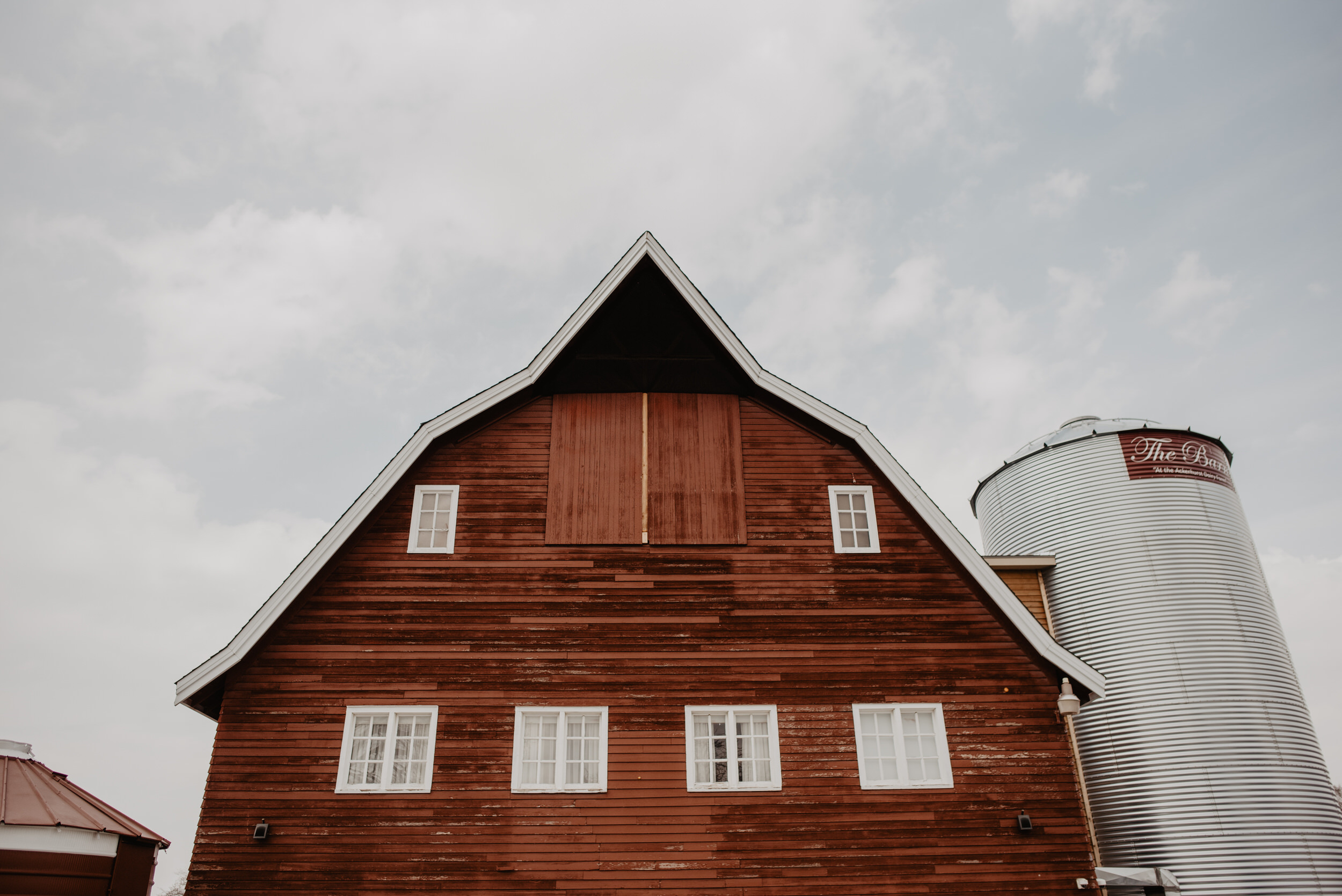 The Barn at the Ackerhurst Dairy Farm Omaha Nebraska Wedding Kaylie Sirek Photography001.jpg