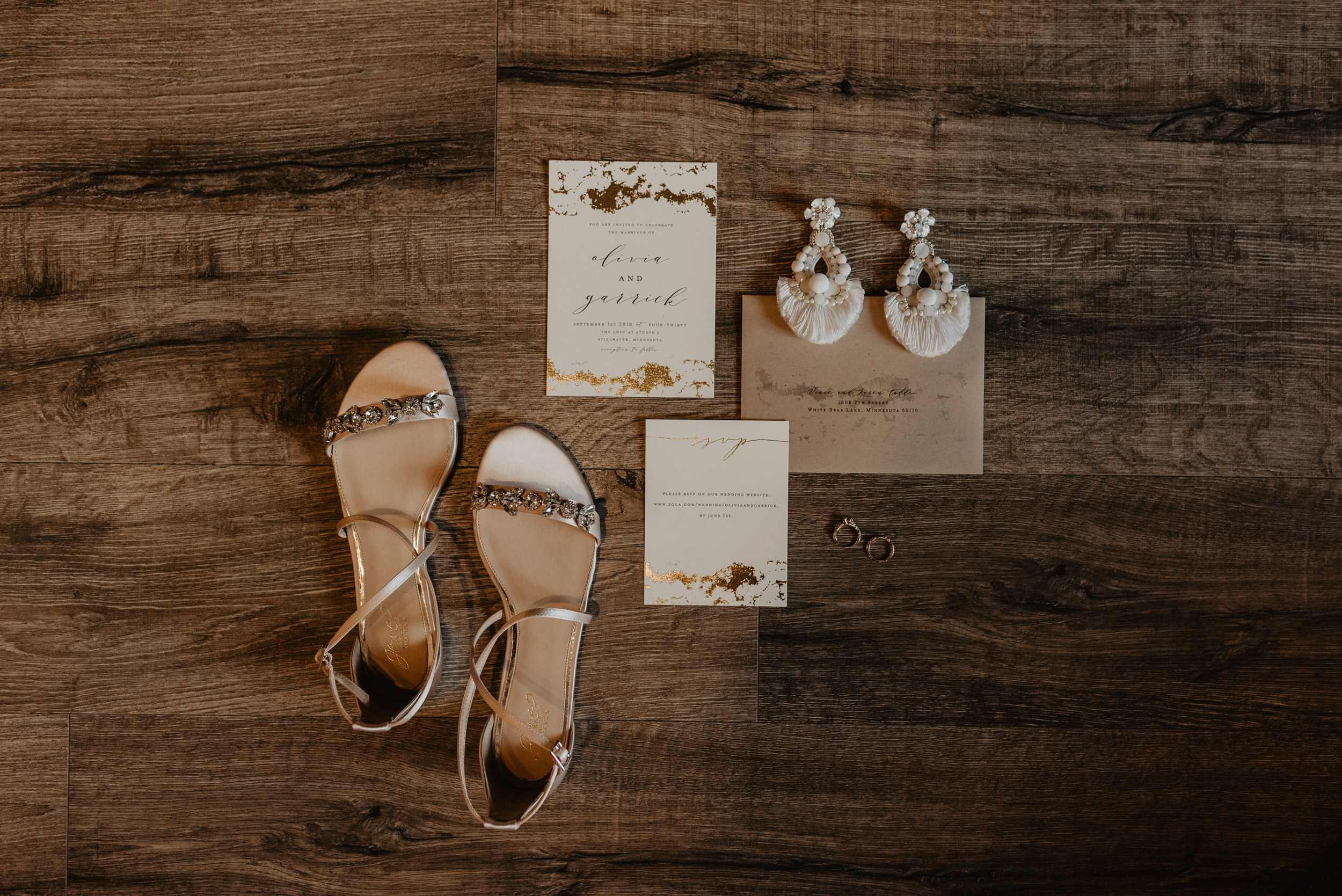 Stillwater-Minnesota-Wedding-Loft-at-Studio-J-Kaylie-Sirek-Photography-01.jpg