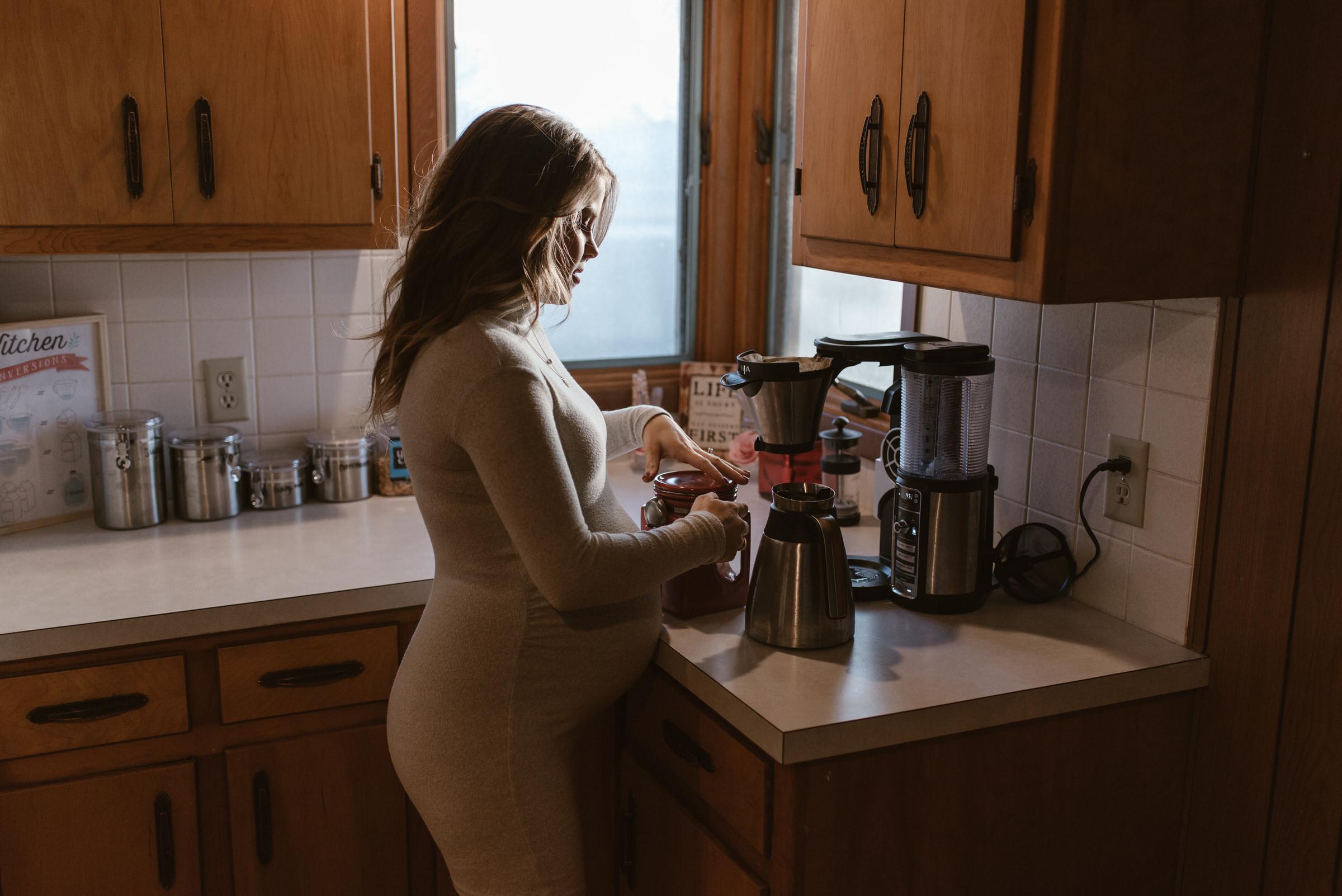 In Home Maternity Session Lincoln Nebraska Kaylie Sirek Photography 23.jpg