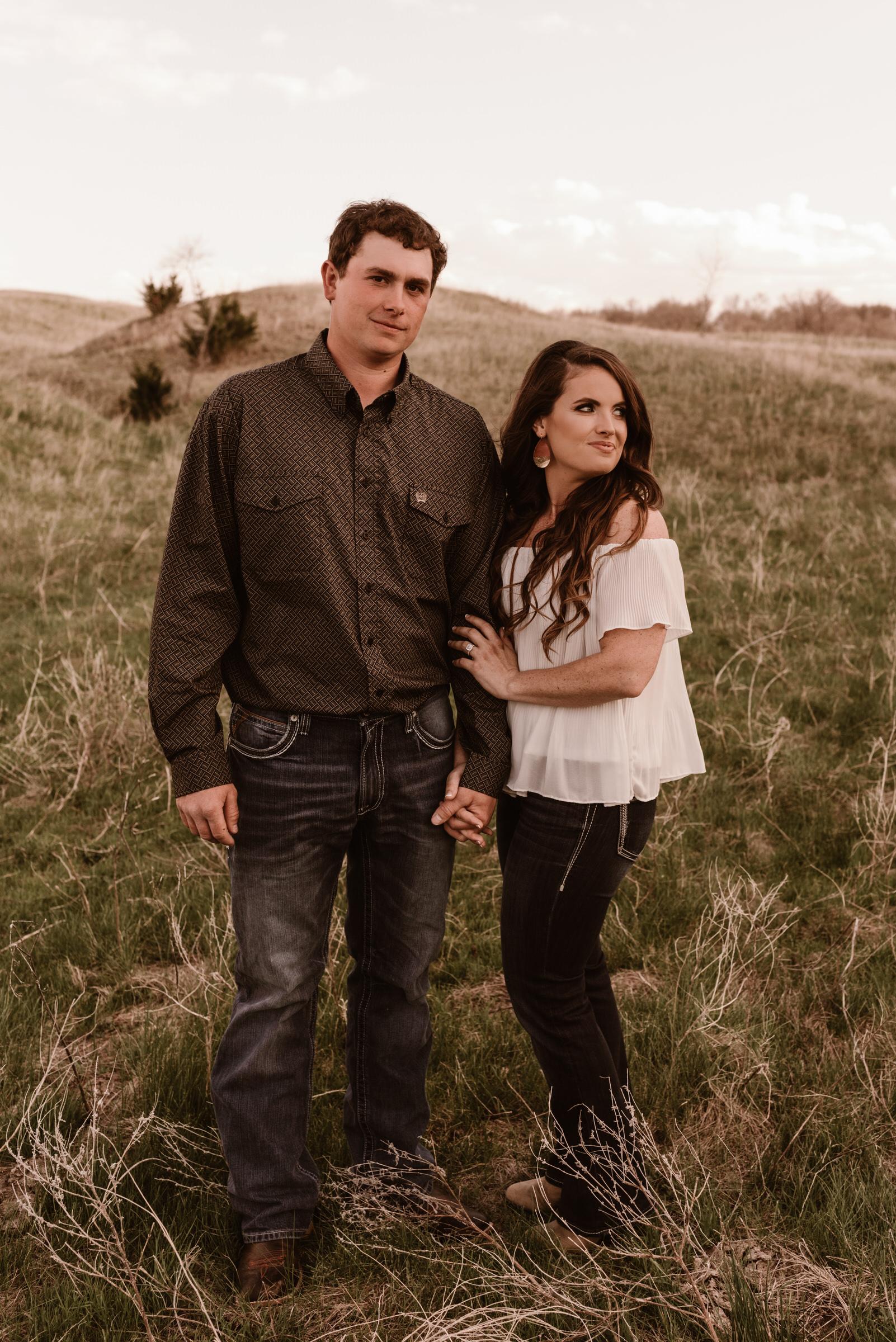Sandhills-Nebraska-Engagement-Wedding-Photographer-Kaylie-Sirek-Photography-004.jpg