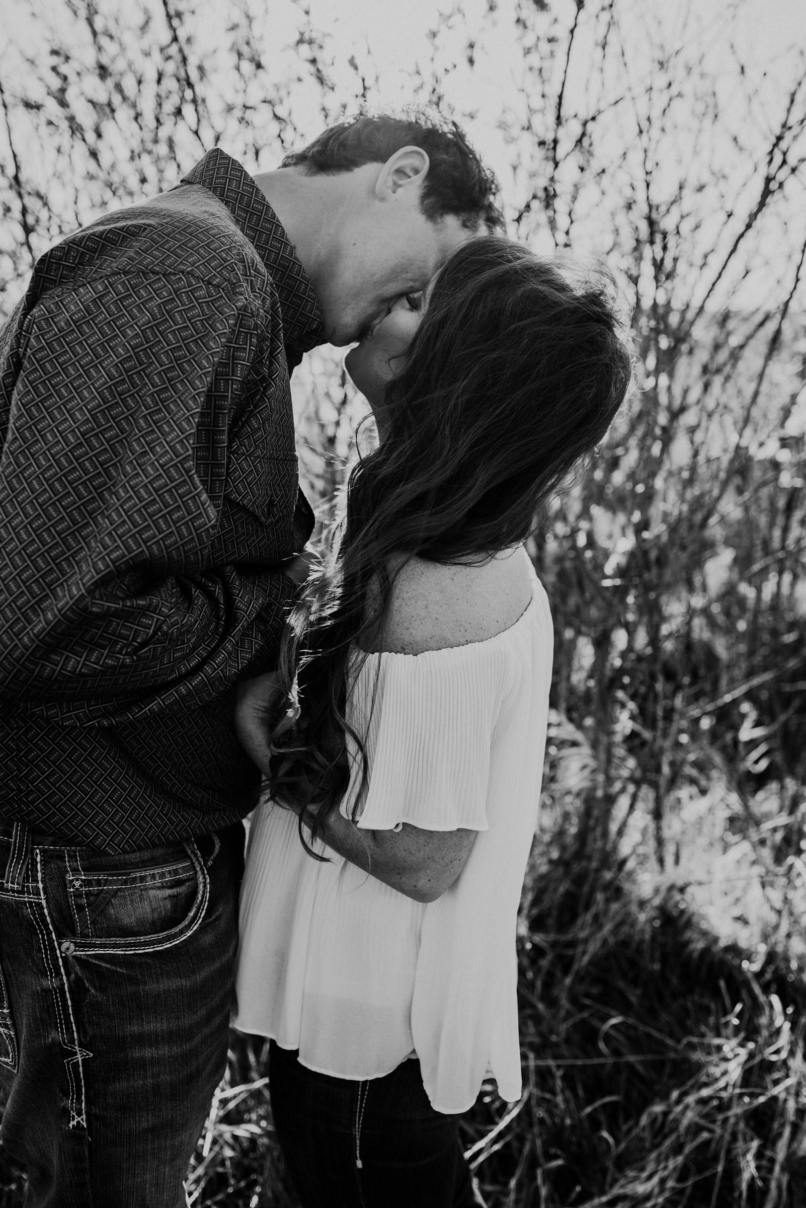 Sandhills-Nebraska-Engagement-Wedding-Photographer-Kaylie-Sirek-Photography-012.jpg
