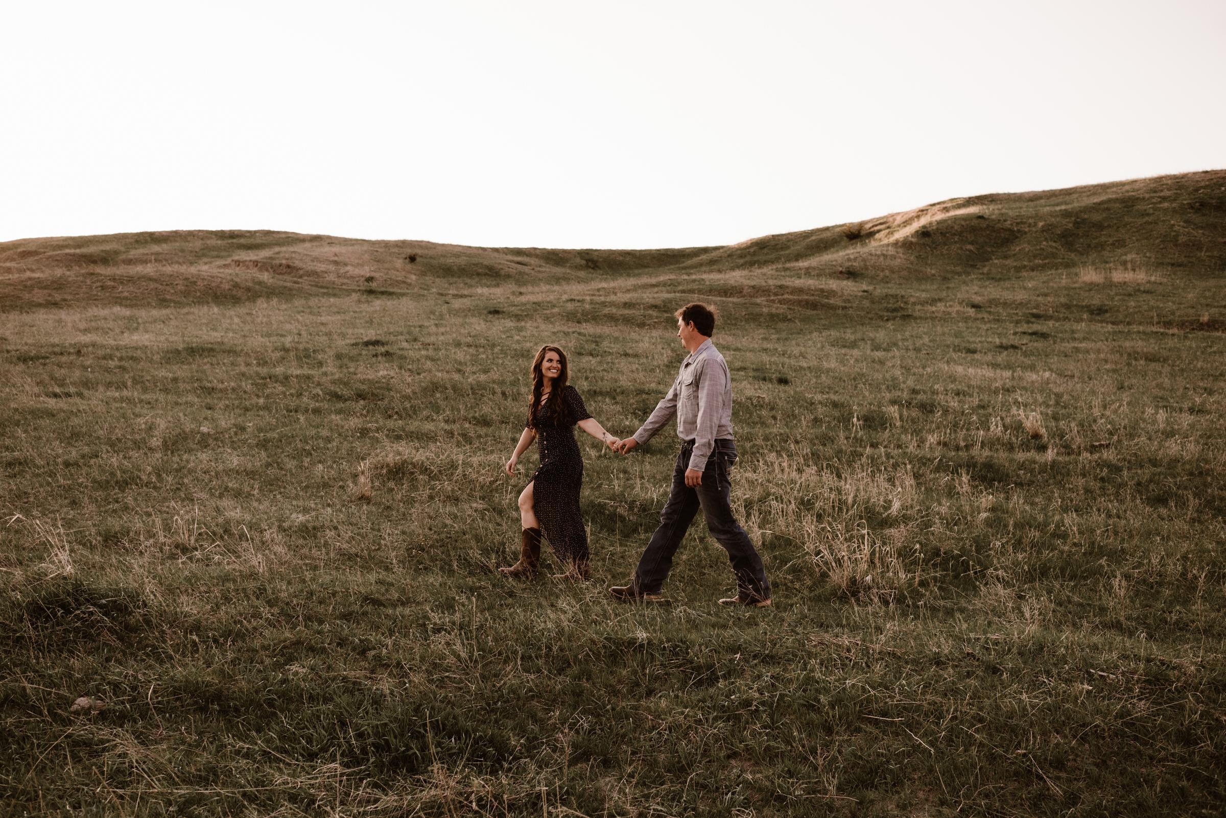 Sandhills-Nebraska-Engagement-Wedding-Photographer-Kaylie-Sirek-Photography-013.jpg