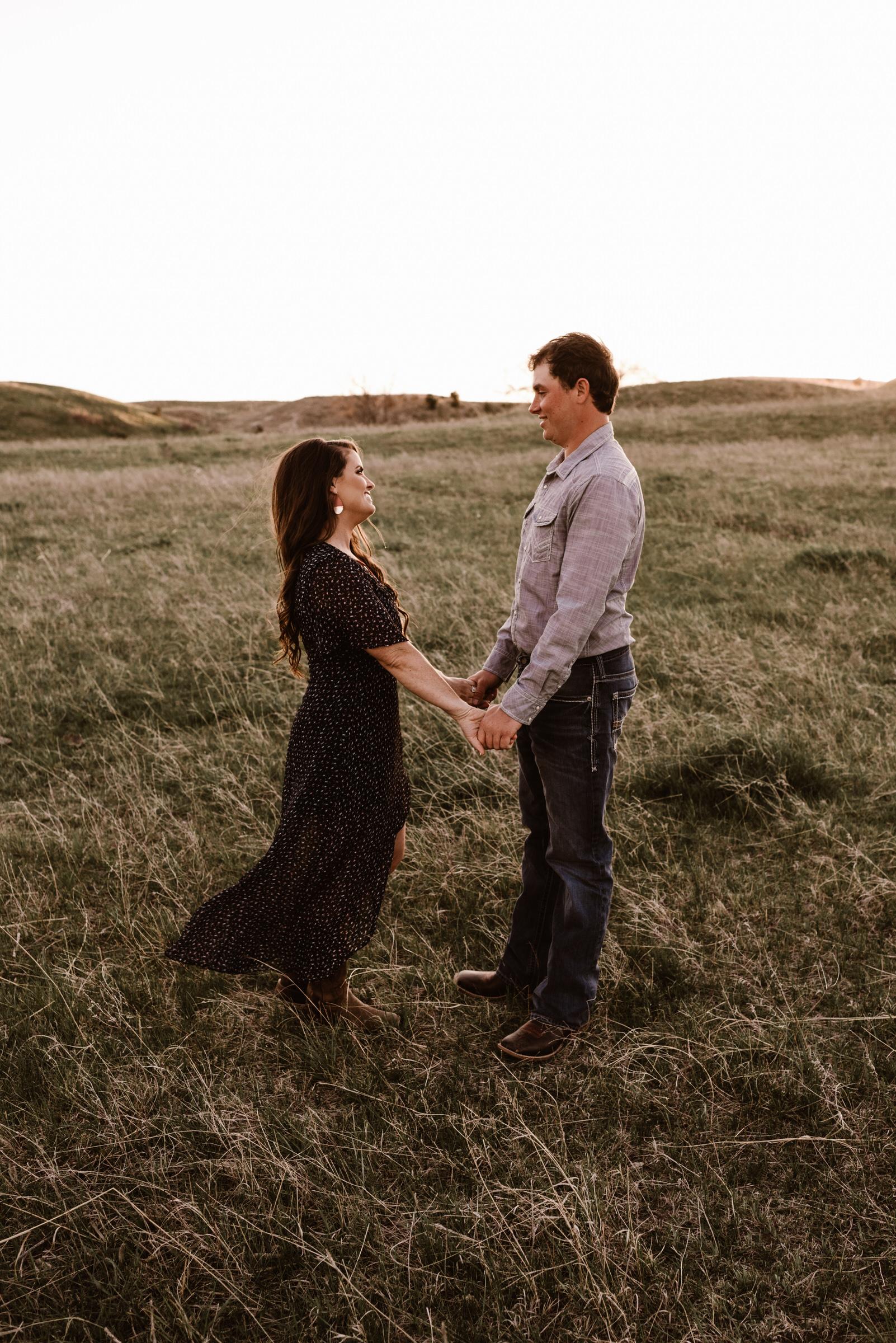 Sandhills-Nebraska-Engagement-Wedding-Photographer-Kaylie-Sirek-Photography-015.jpg