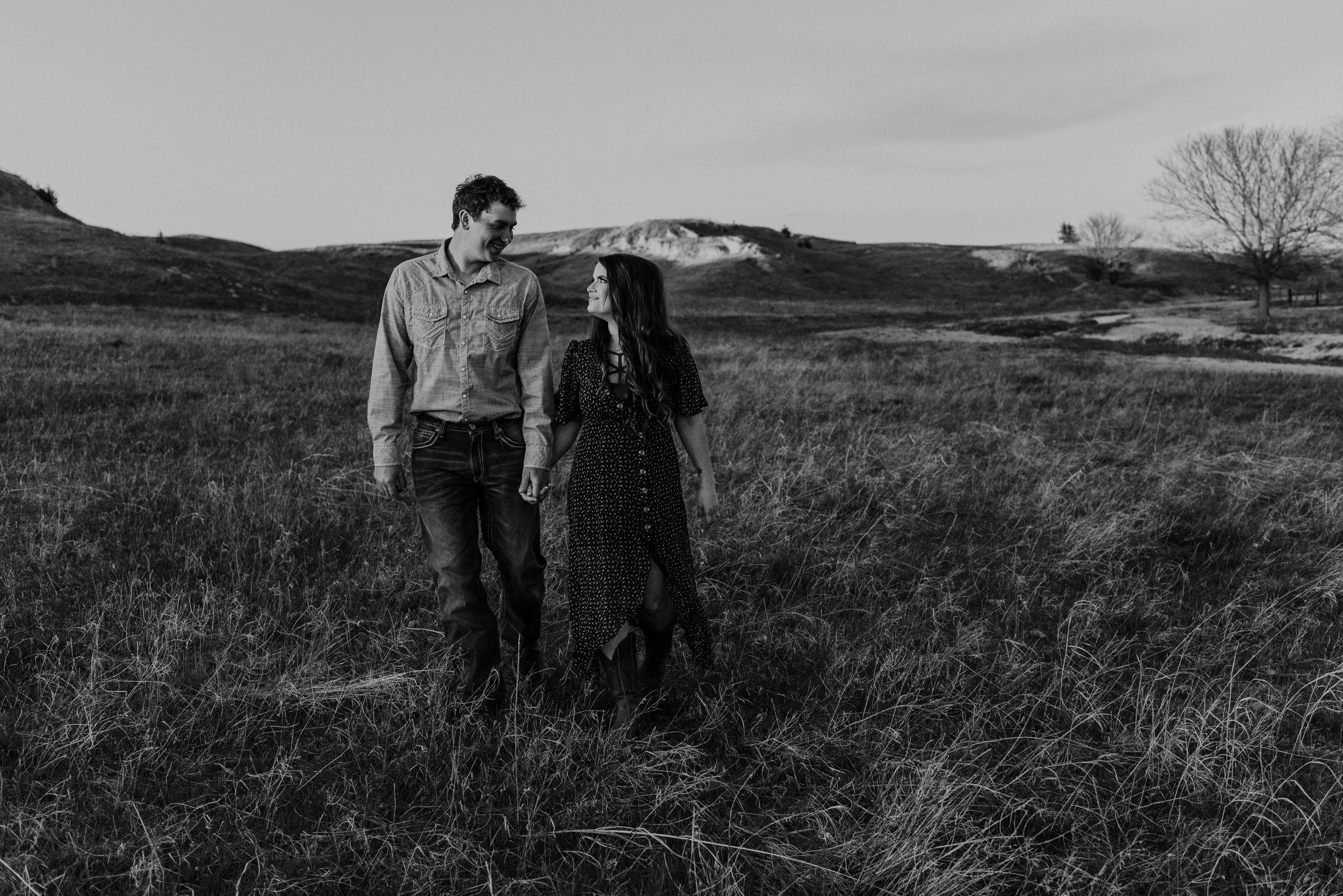 Sandhills-Nebraska-Engagement-Wedding-Photographer-Kaylie-Sirek-Photography-017.jpg