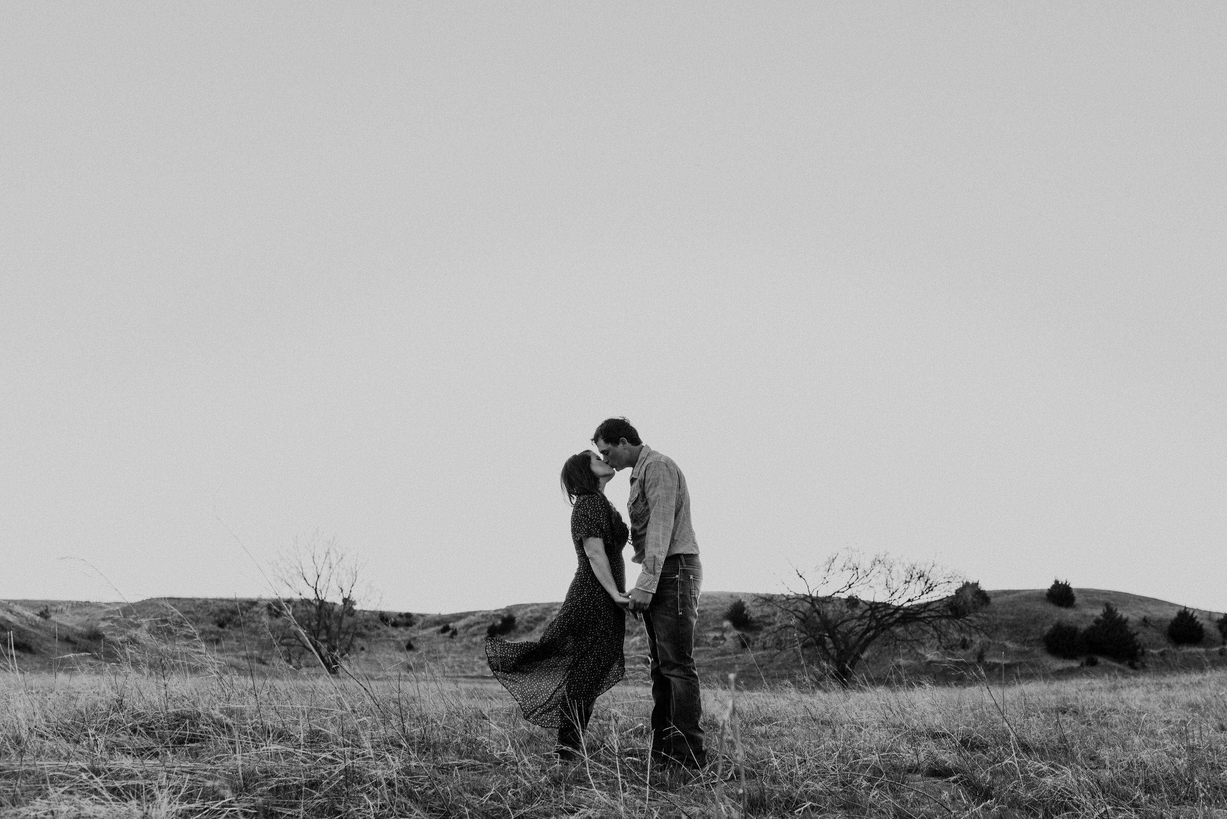 Sandhills-Nebraska-Engagement-Wedding-Photographer-Kaylie-Sirek-Photography-018.jpg