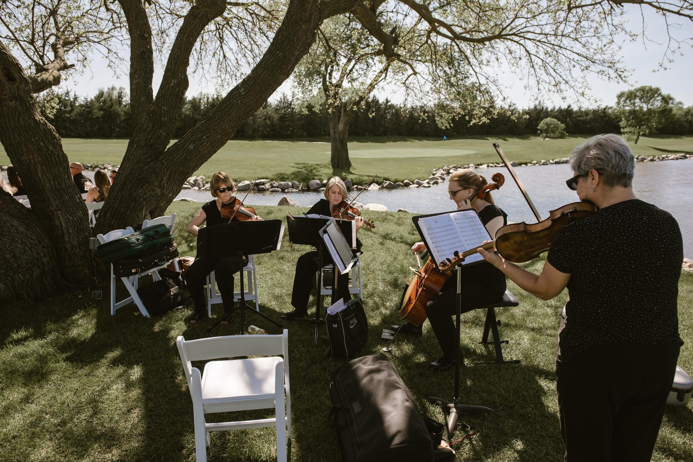 Wilderness-Ridge-Lincoln-Nebraska-Wedding-Kaylie-Sirek-Photography-043.jpg