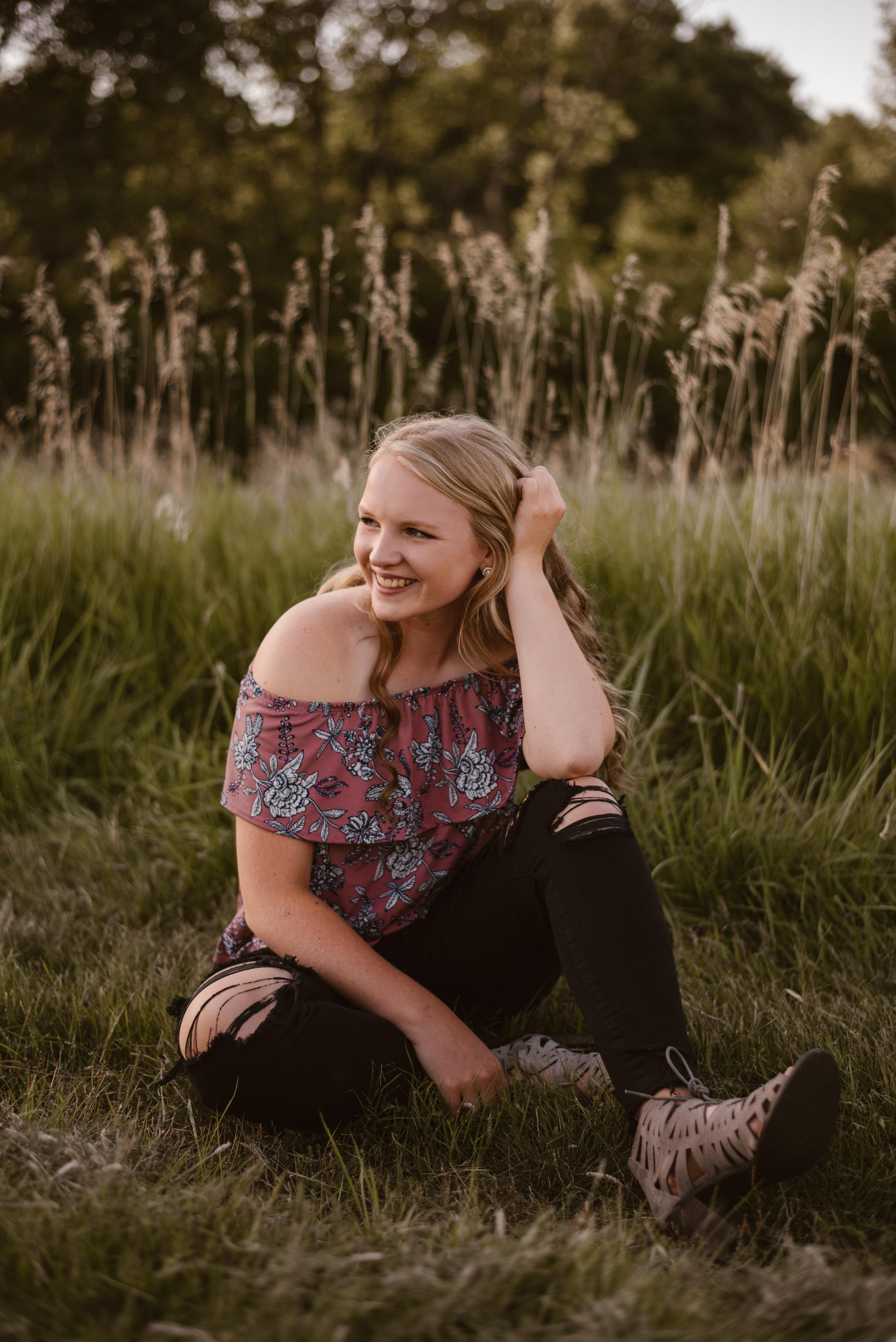 Kaylie-Sirek-Photography-Grand-Island-Nebraska-Senior-008.jpg