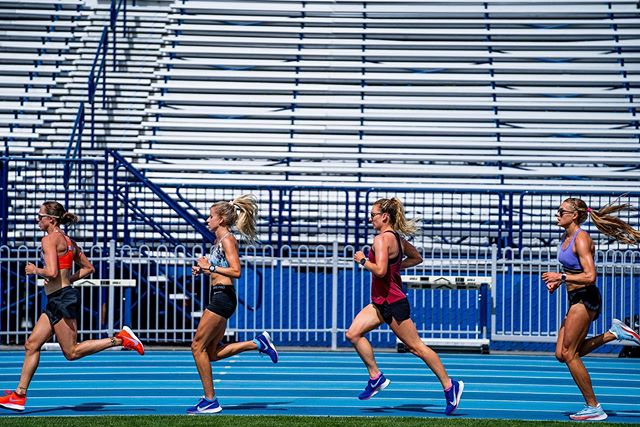 The best thing about being on a team this big is that when you're on a down-stride, guaranteed someone else is on an up-stride and can can carry you along. #carrymehome #soulsisters #bowermanbabes 📷: @cortneywhite_