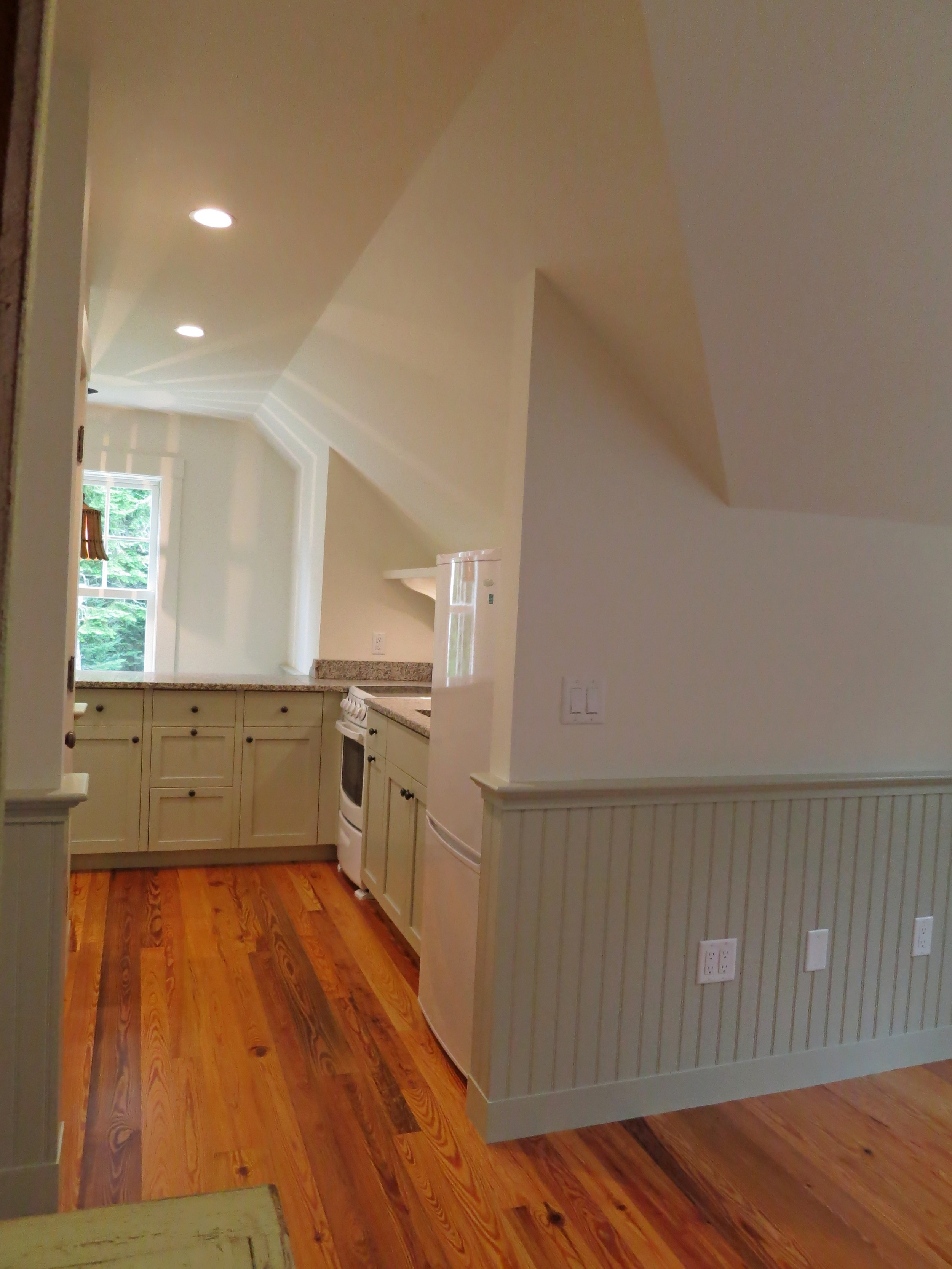 kitchen straight back 2.jpg