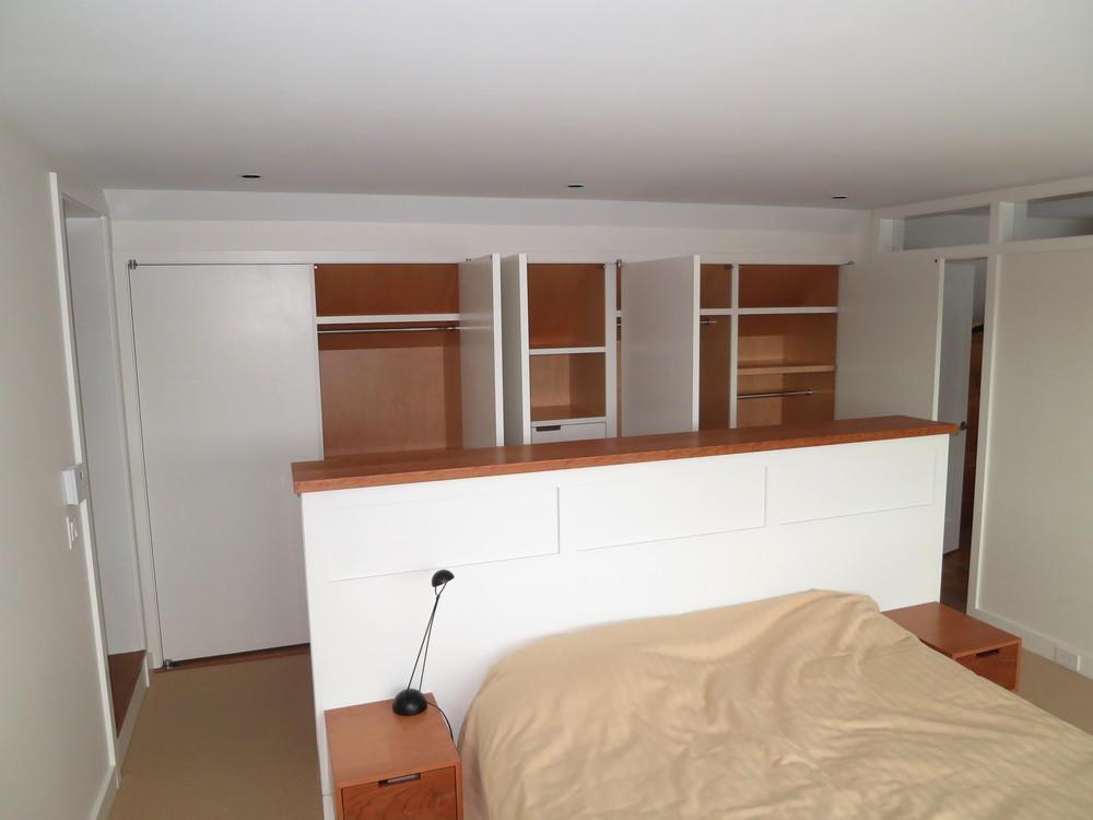 left+corner+some+open+closet+doors.jpg