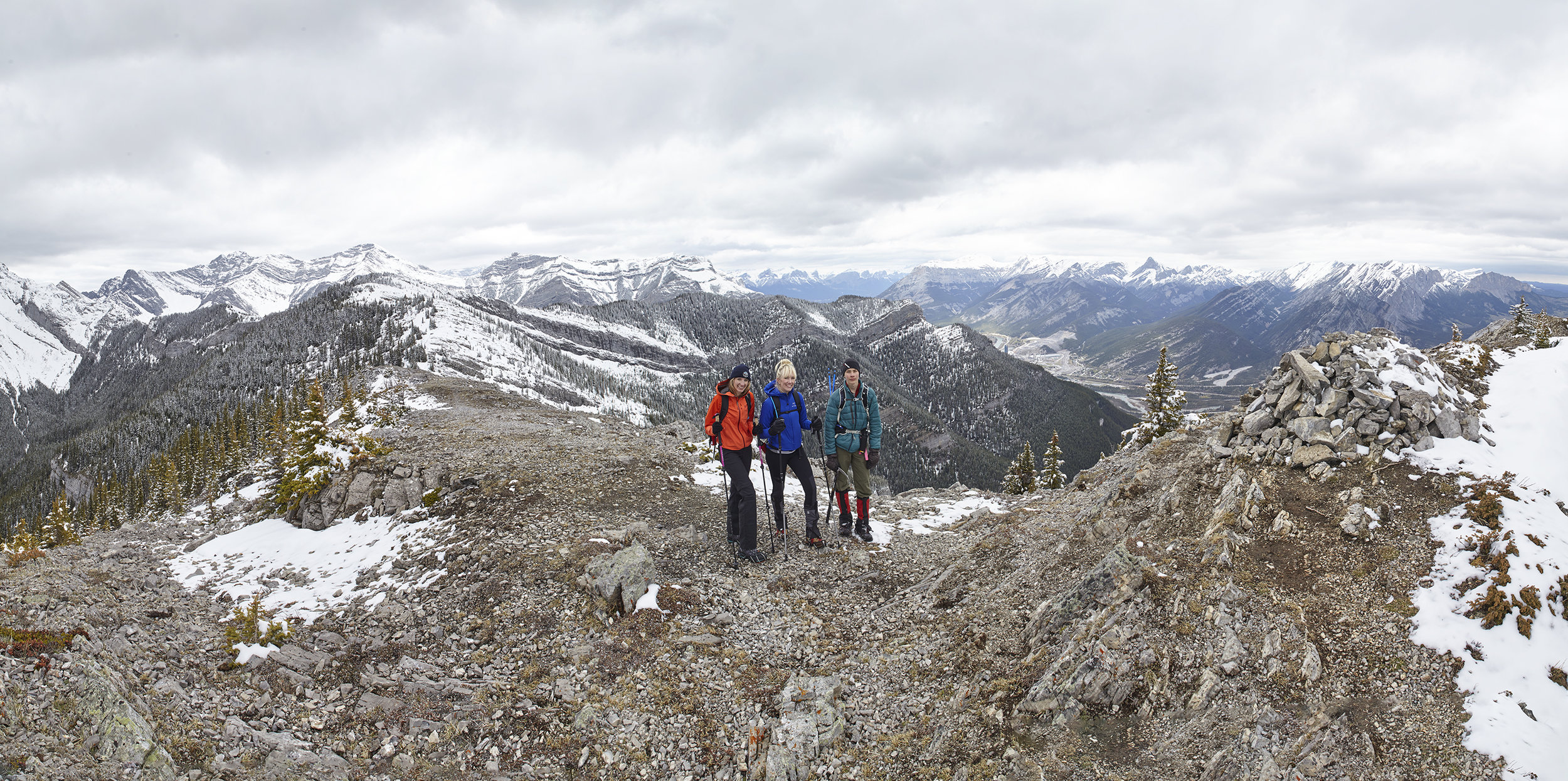 A panorama showing the entire traverse from Heart Mountain to Grant MacEwan Peak.