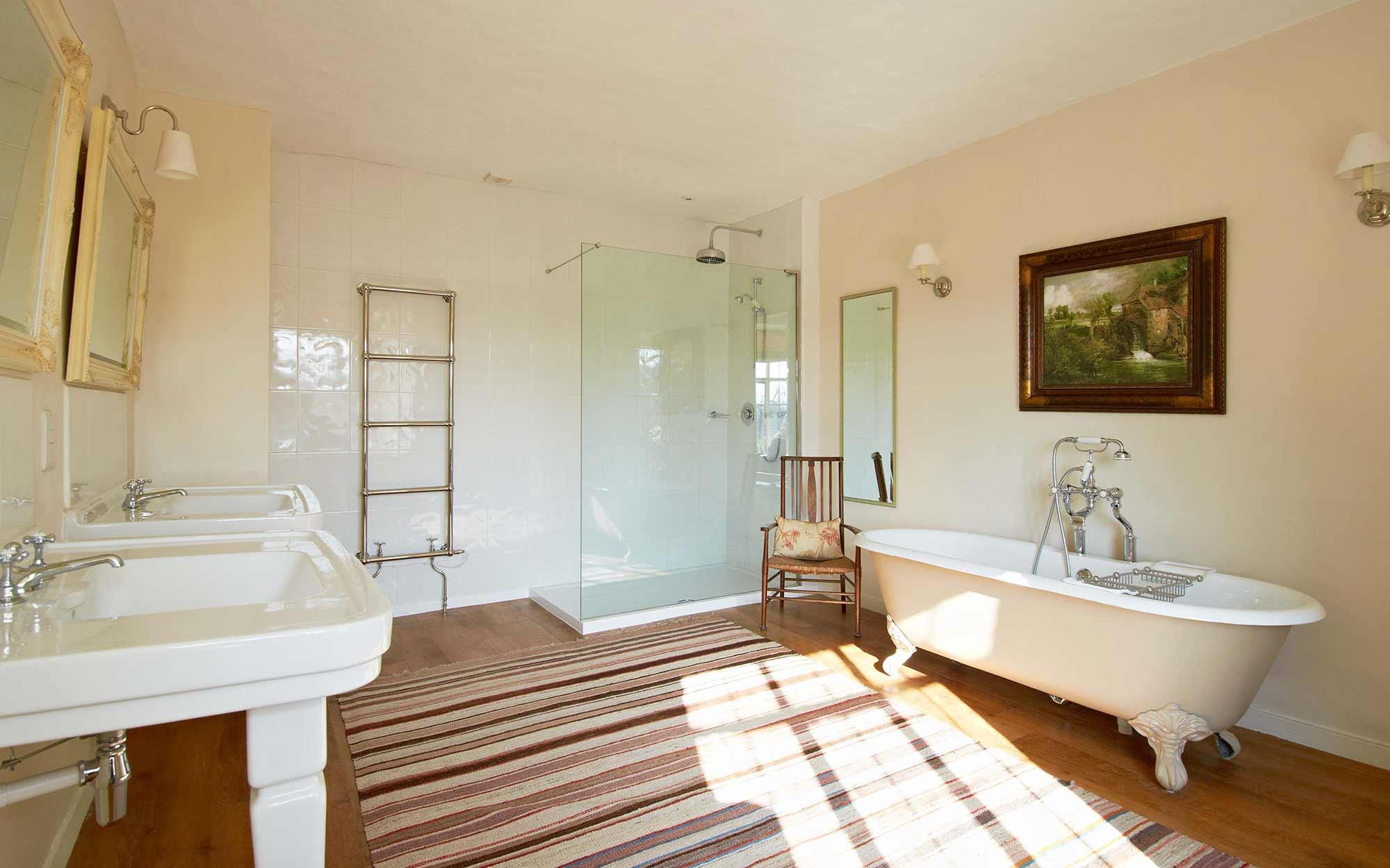 Master-Bathroom-at-Bruisyard-Hall.jpg